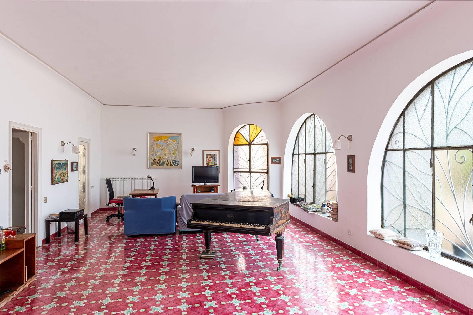 Charming villa with direct access to the sea - 2