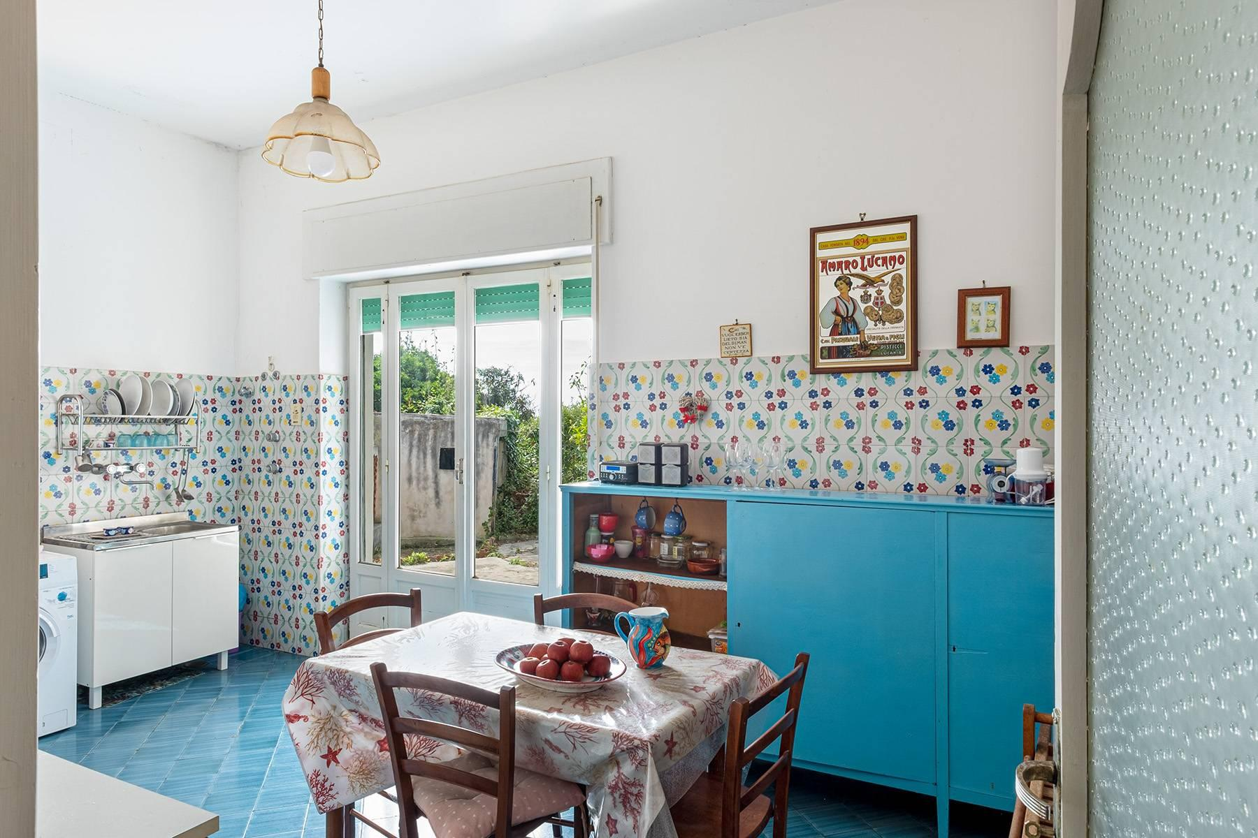 Charming villa with direct access to the sea - 6