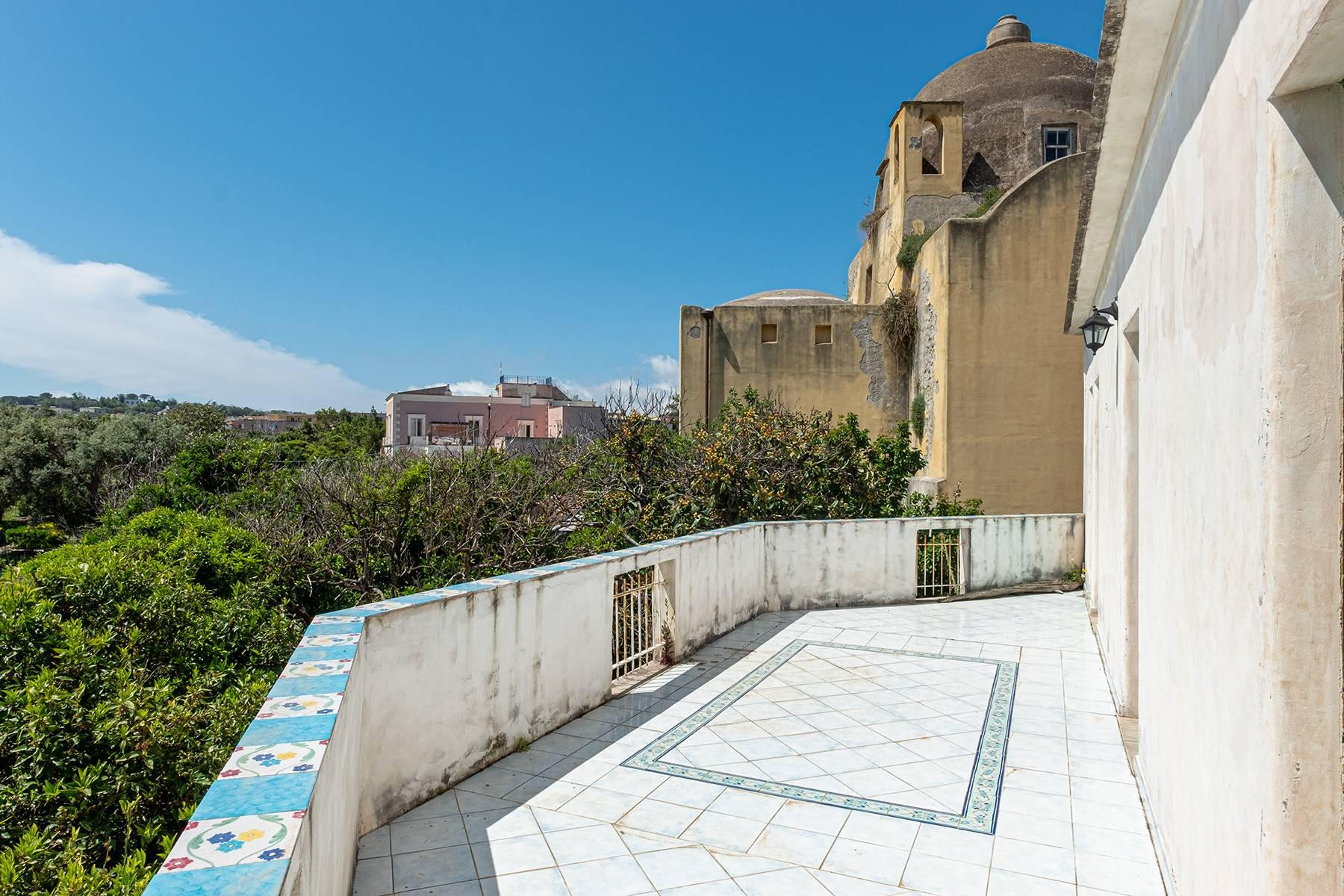 Charming villa with direct access to the sea - 7