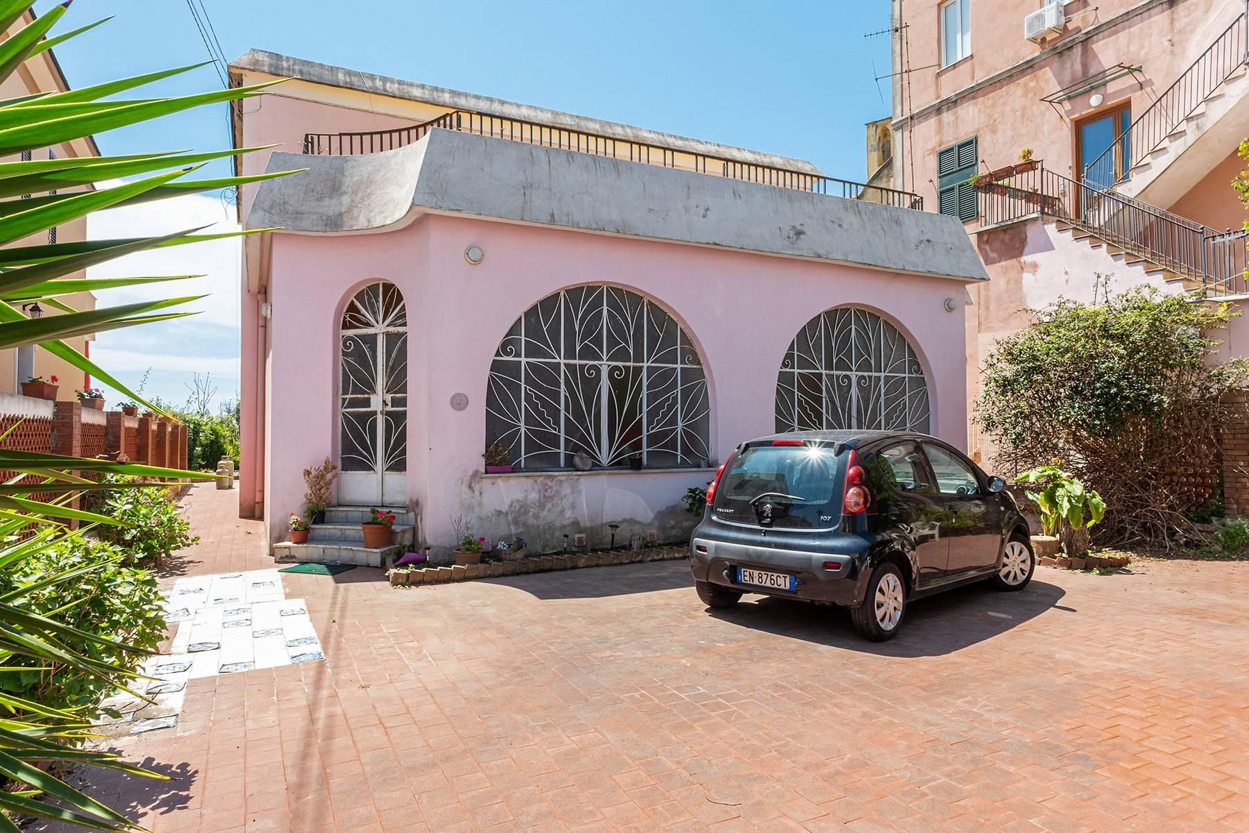 Charming villa with direct access to the sea - 18