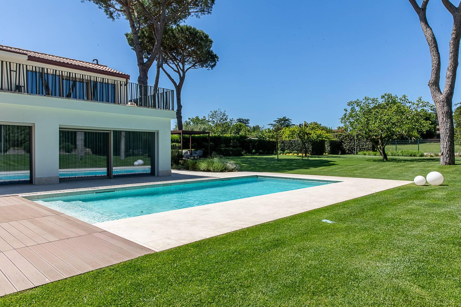 Splendida villa dal gusto contemporaneo con piscina all'Olgiata - 48