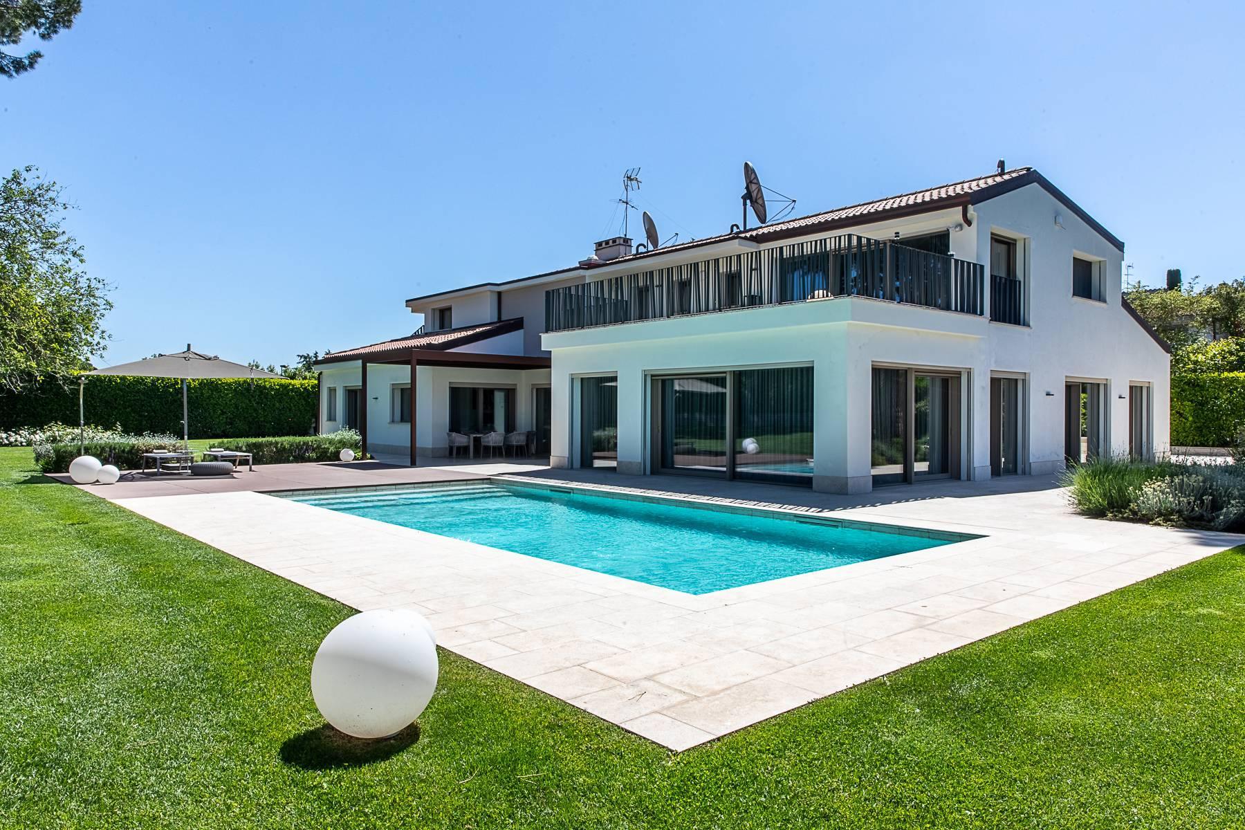 Splendida villa dal gusto contemporaneo con piscina all'Olgiata - 47