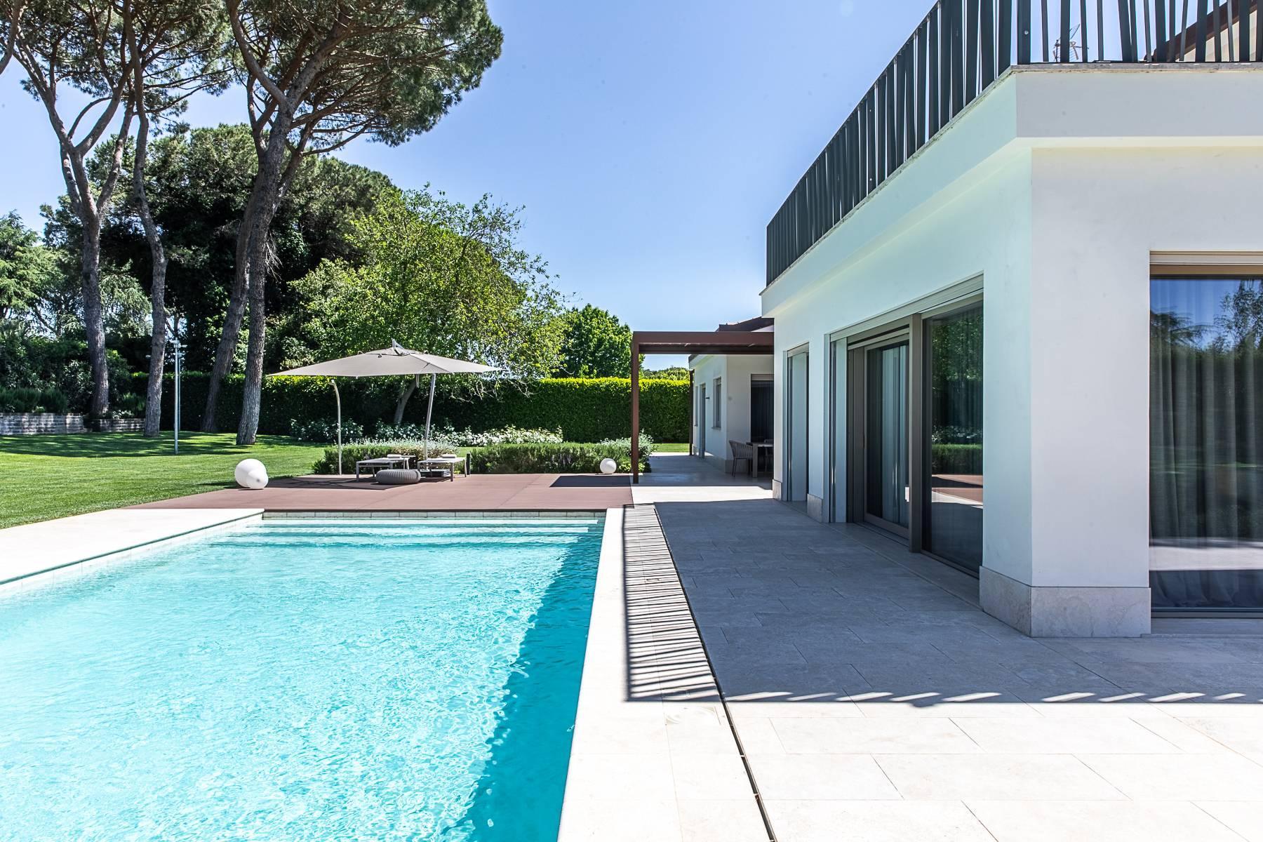 Splendida villa dal gusto contemporaneo con piscina all'Olgiata - 49