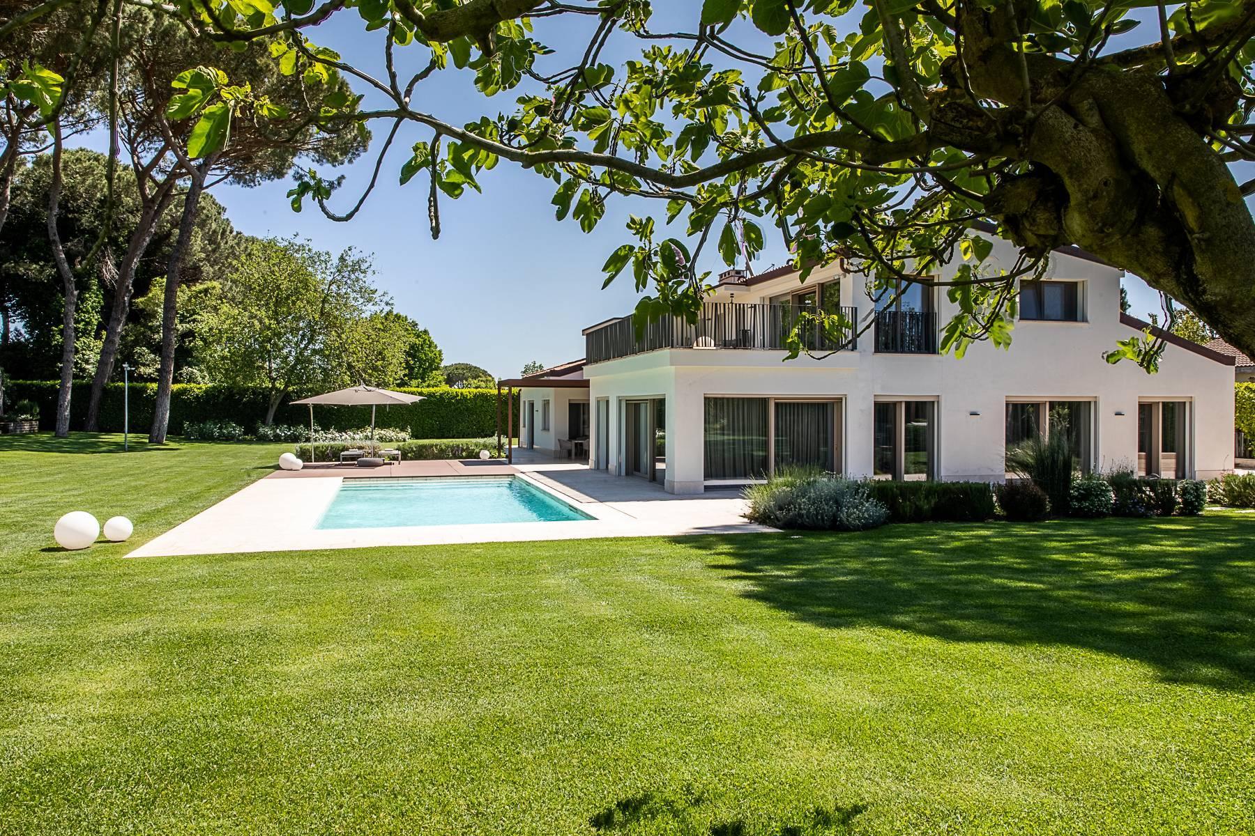 Wunderschöne moderne Villa mit Pool im Olgiata Stadtviertel - 2