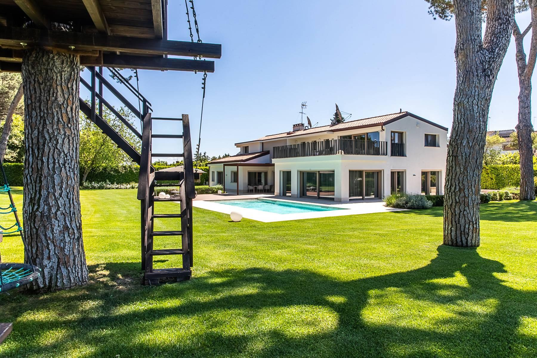 Splendida villa dal gusto contemporaneo con piscina all'Olgiata - 56