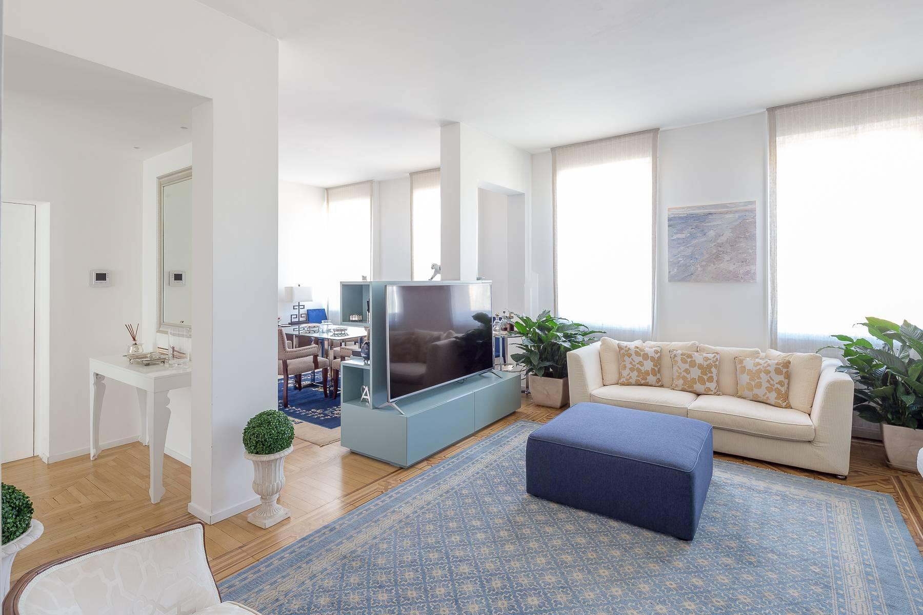 时尚区带露台的全景顶层公寓 - 2