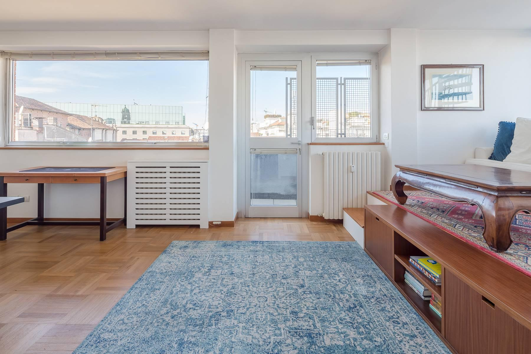 时尚区带露台的全景顶层公寓 - 5