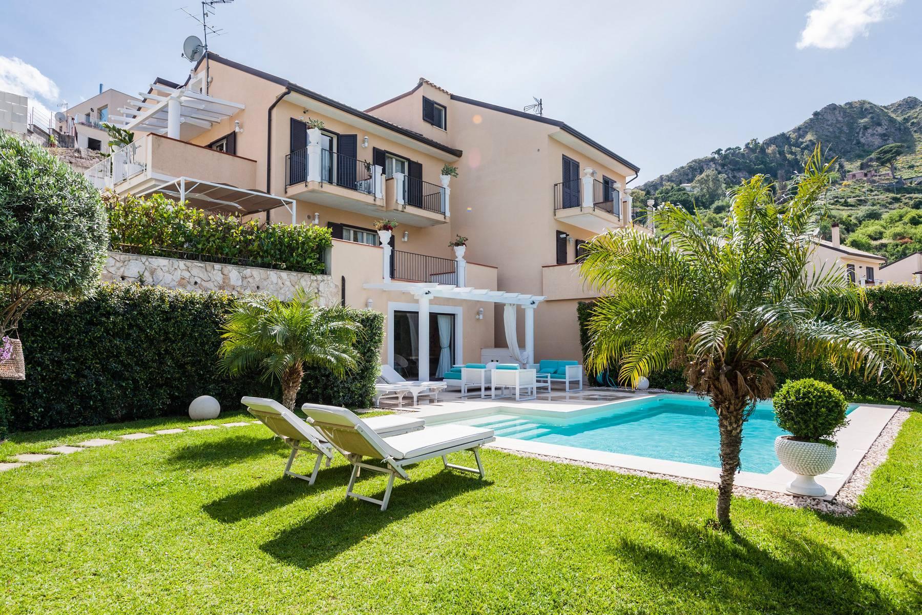 Modern villa with swimming pool in Taormina - 15
