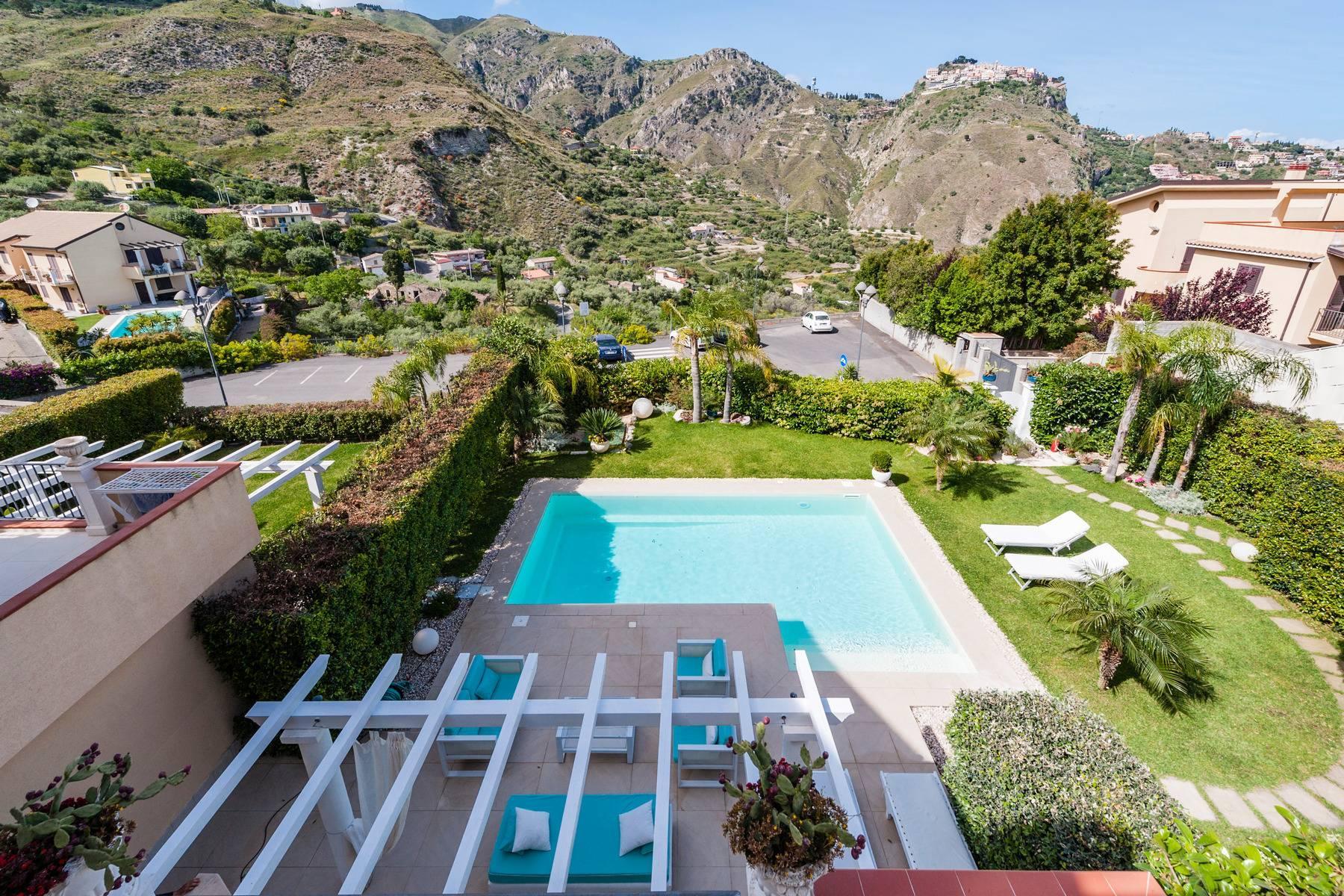 Modern villa with swimming pool in Taormina - 28