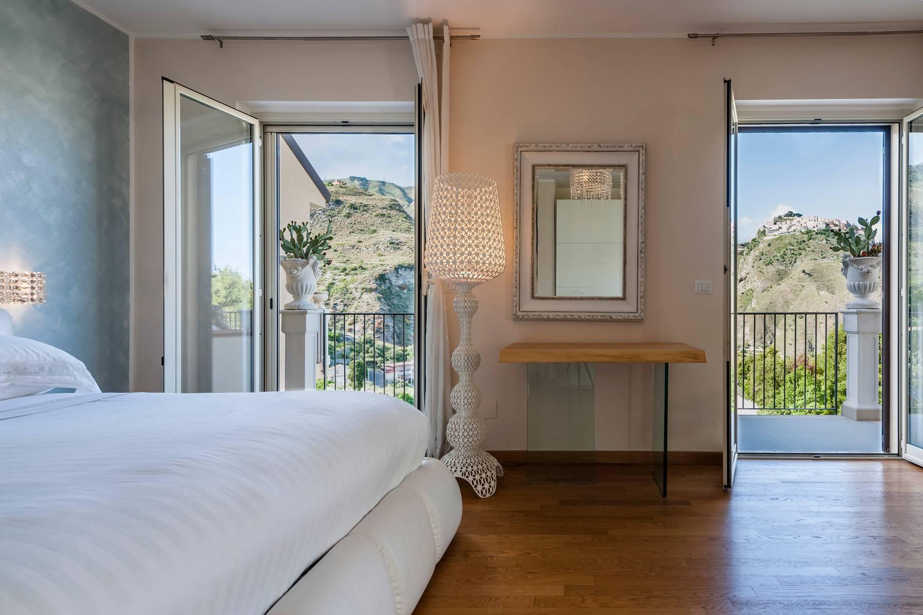 Modern villa with swimming pool in Taormina - 23
