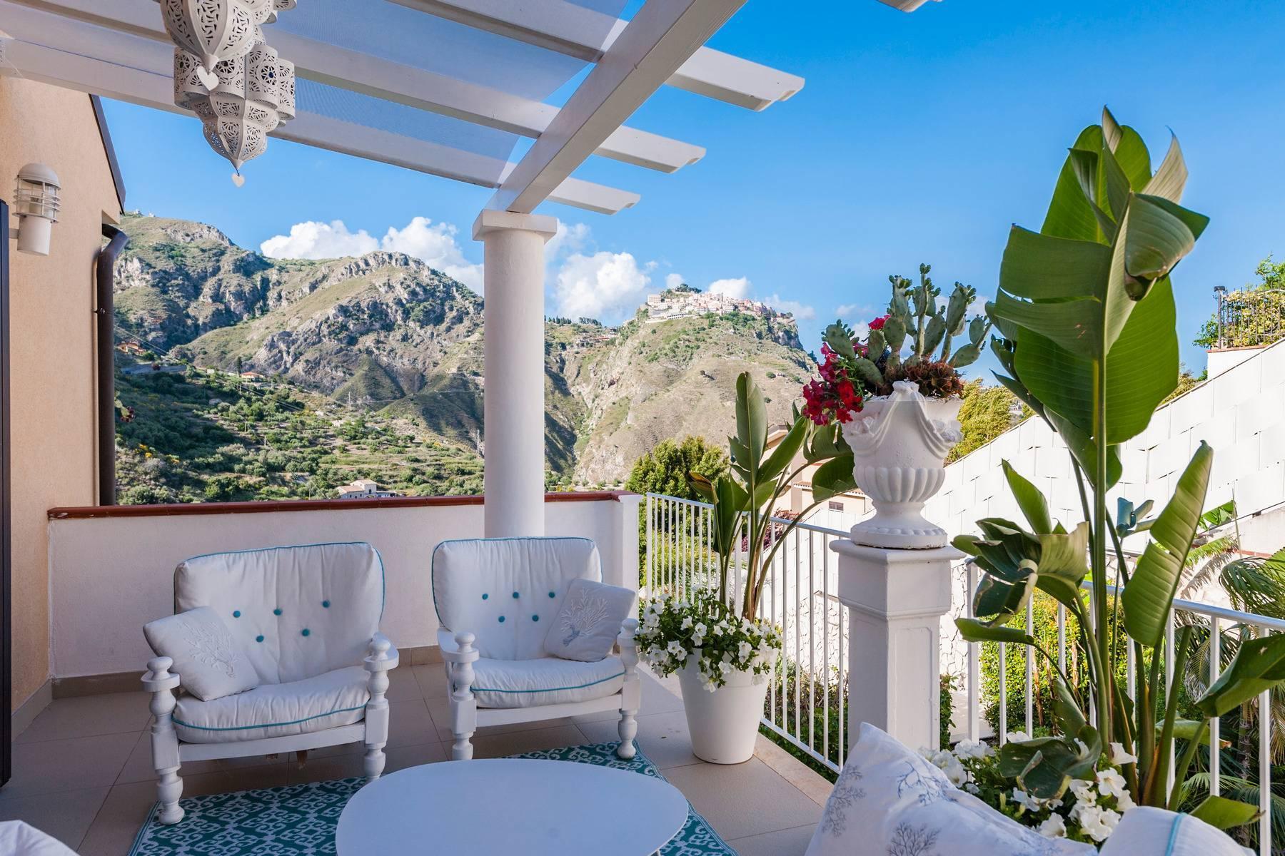 Modern villa with swimming pool in Taormina - 11