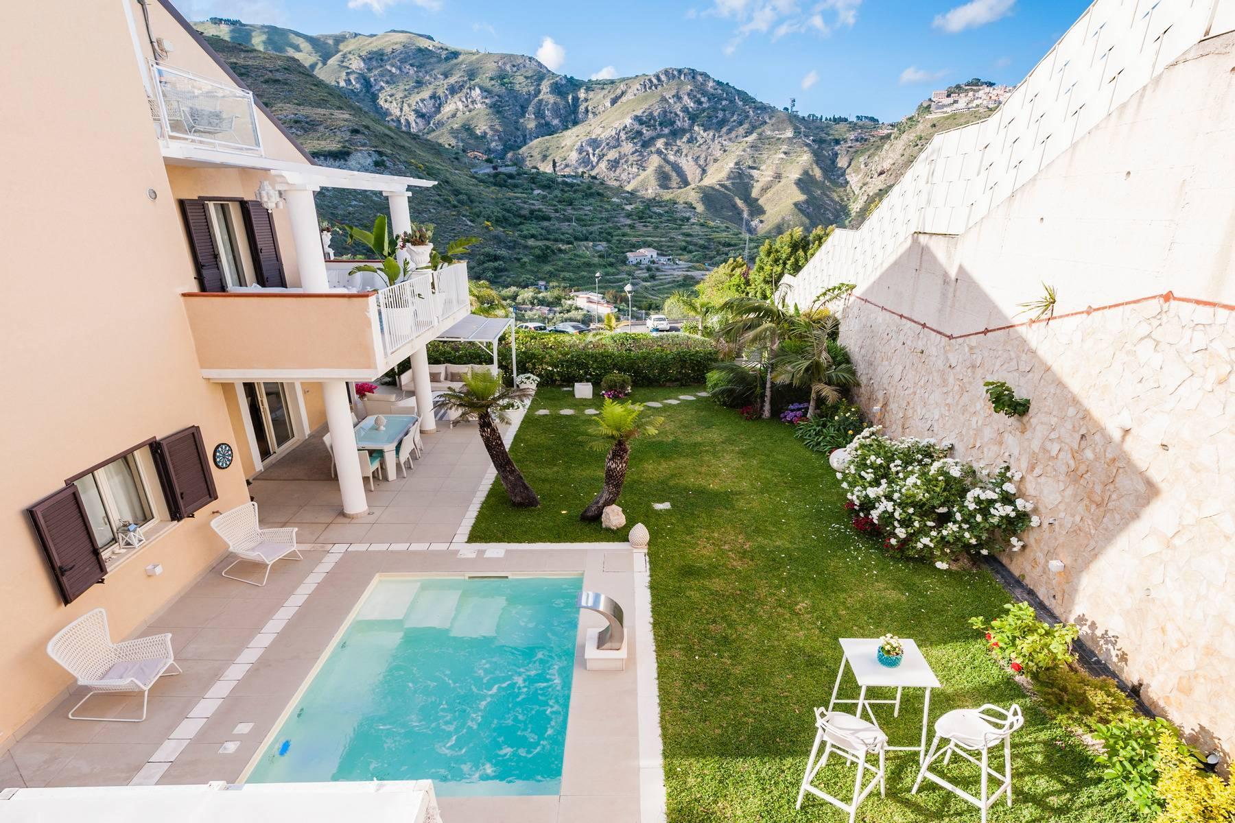 Modern villa with swimming pool in Taormina - 10