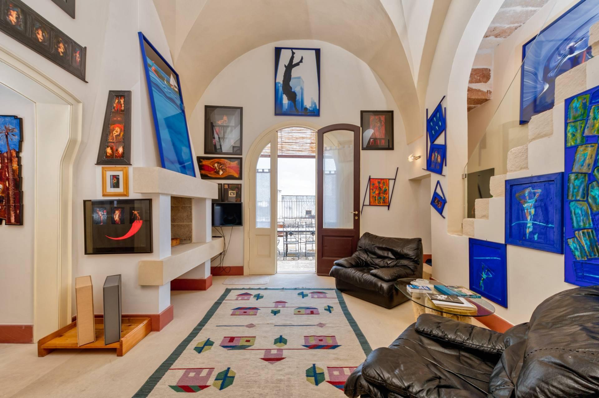 Великолепное здание, представляющее художественную и культурную ценность - 2