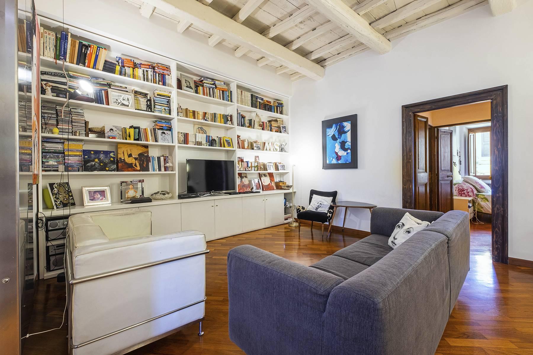 Elegant and bright apartment in Monti - 3