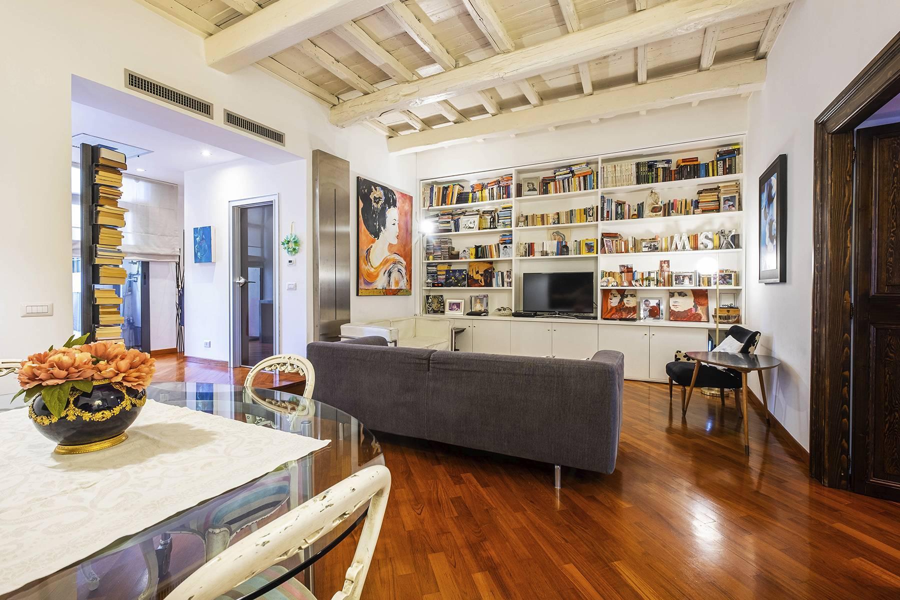 Elegant and bright apartment in Monti - 1