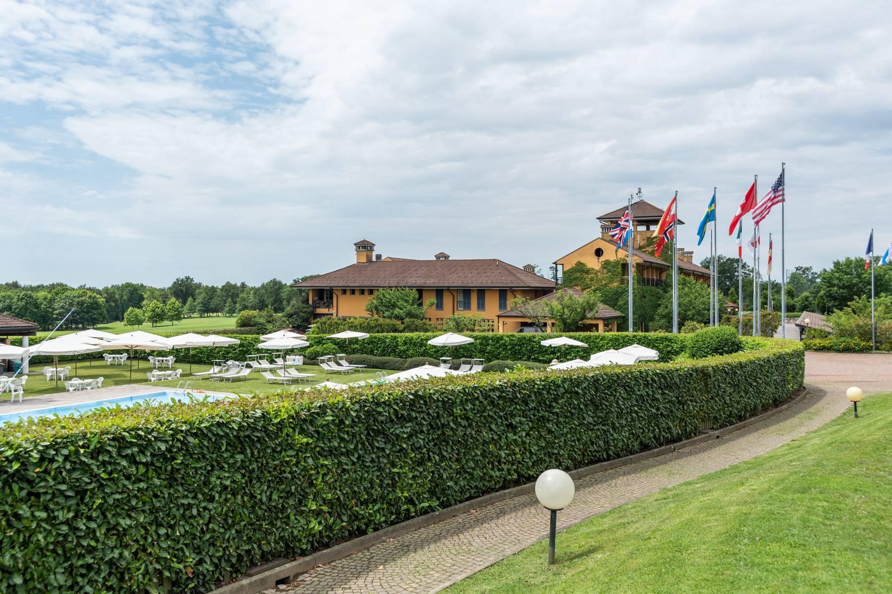 Elegante Villa im Golfclub Castelconturbia - 25