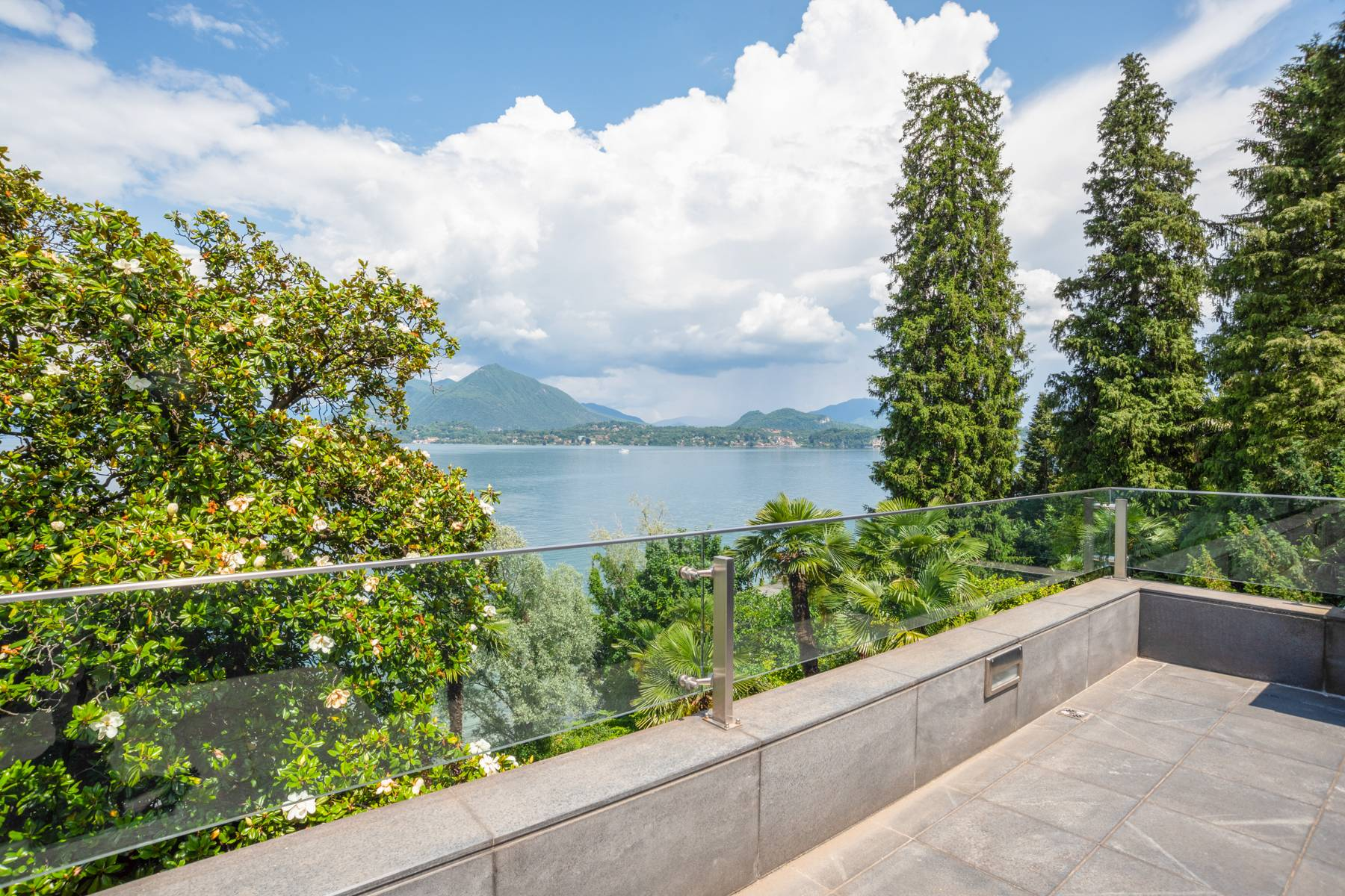 Architecture, style and charm in Stresa - 27