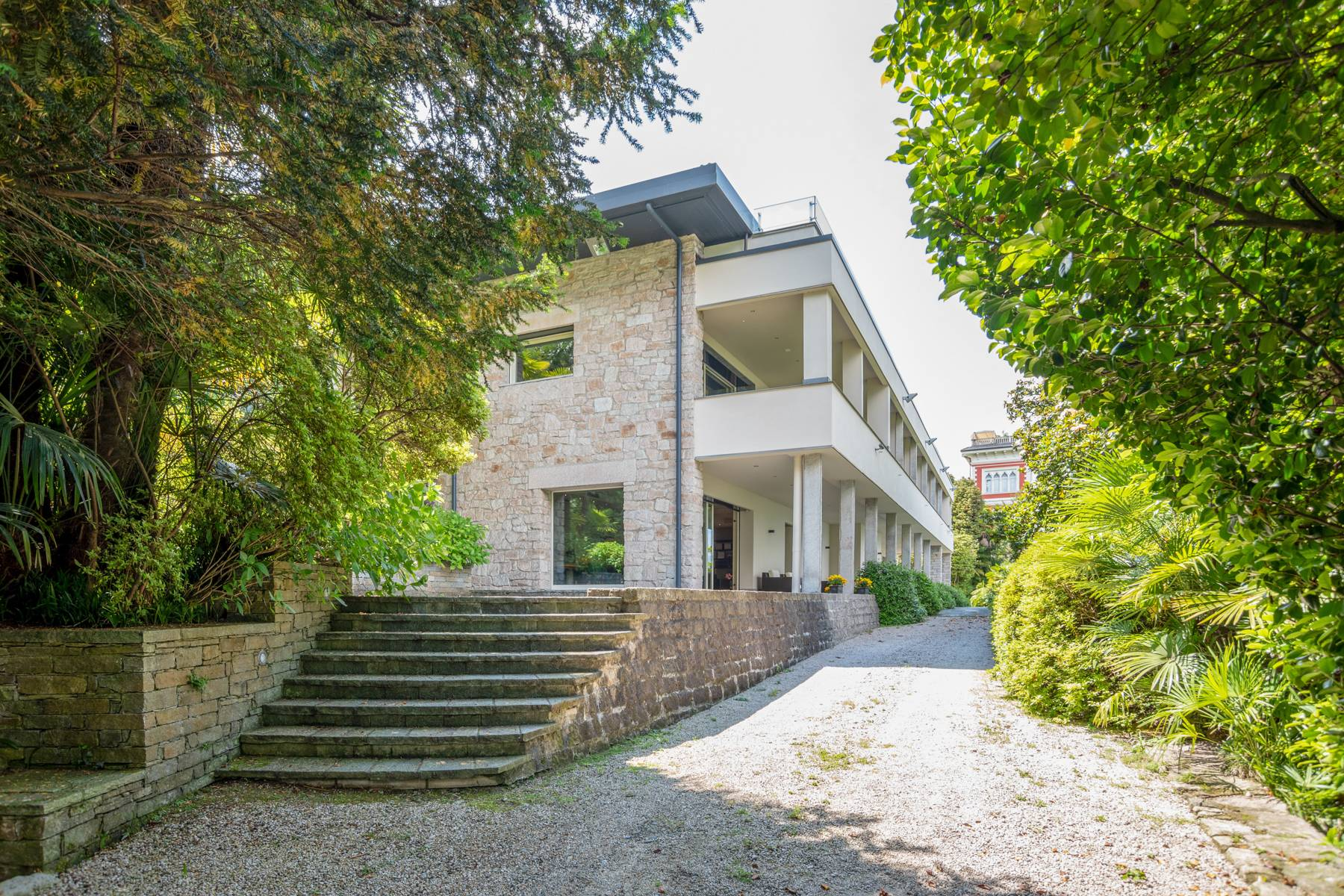 Architecture, style and charm in Stresa - 32