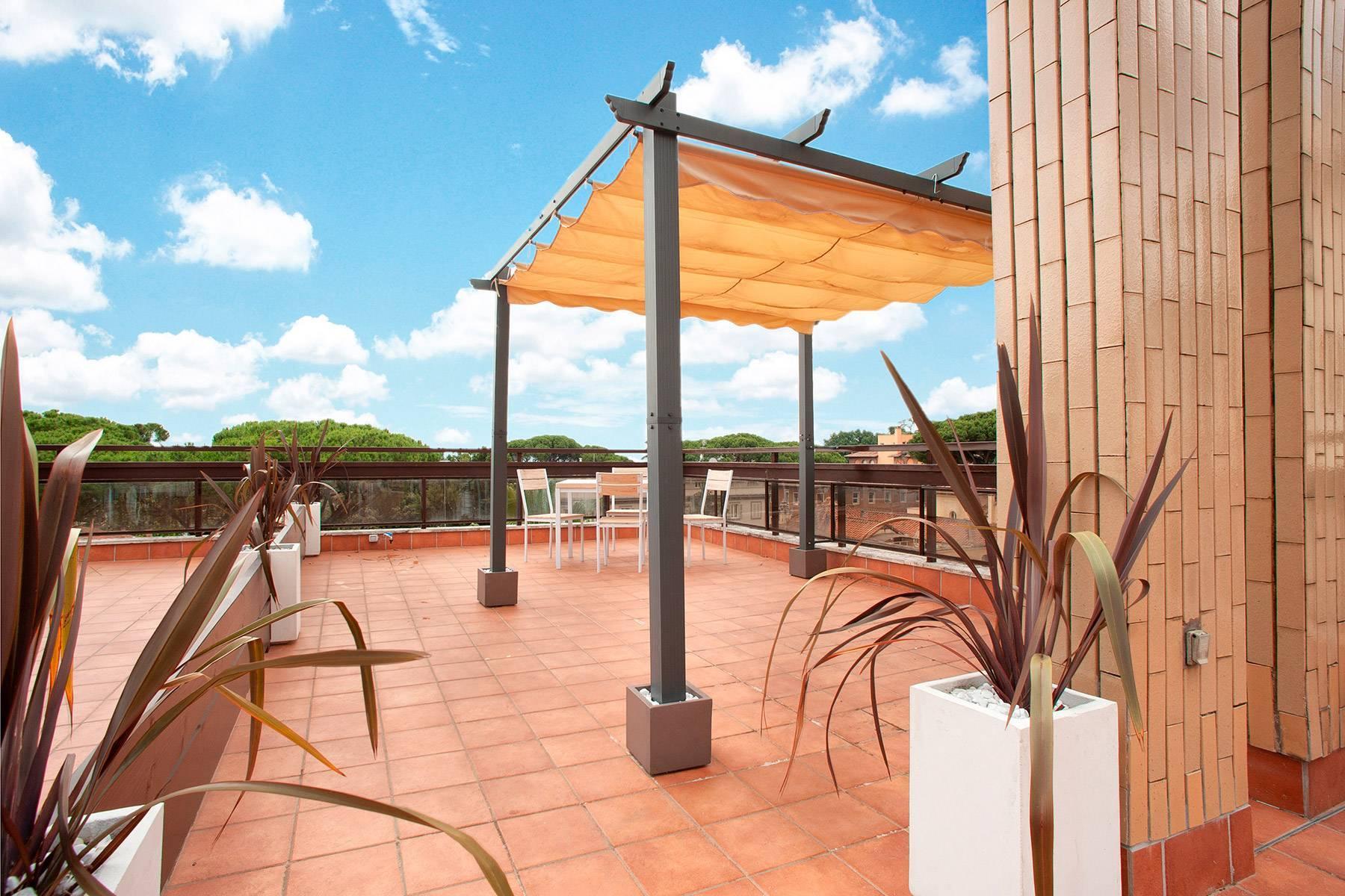 Design-Penthouse mit Panorama-Terrasse mitten im Grünen - 8