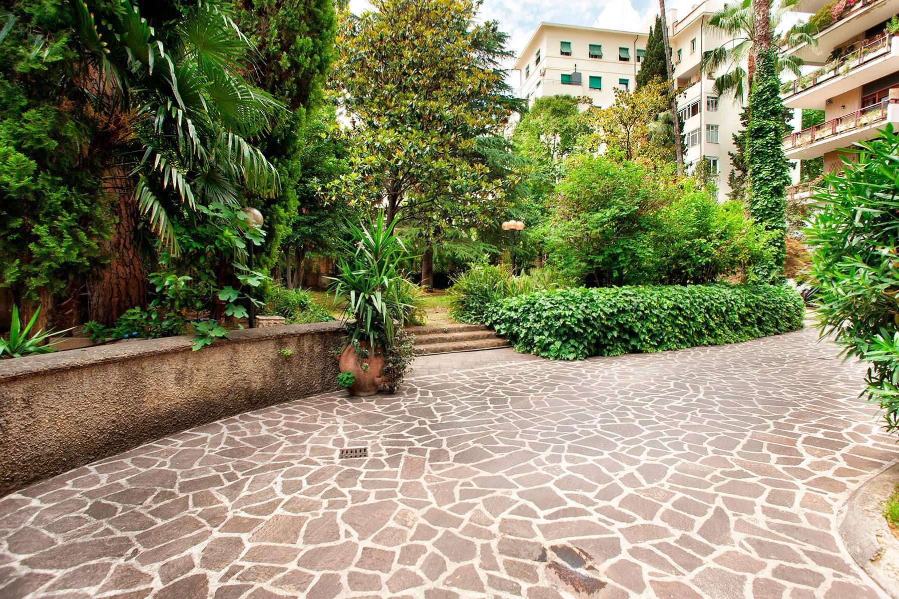 Design-Penthouse mit Panorama-Terrasse mitten im Grünen - 10