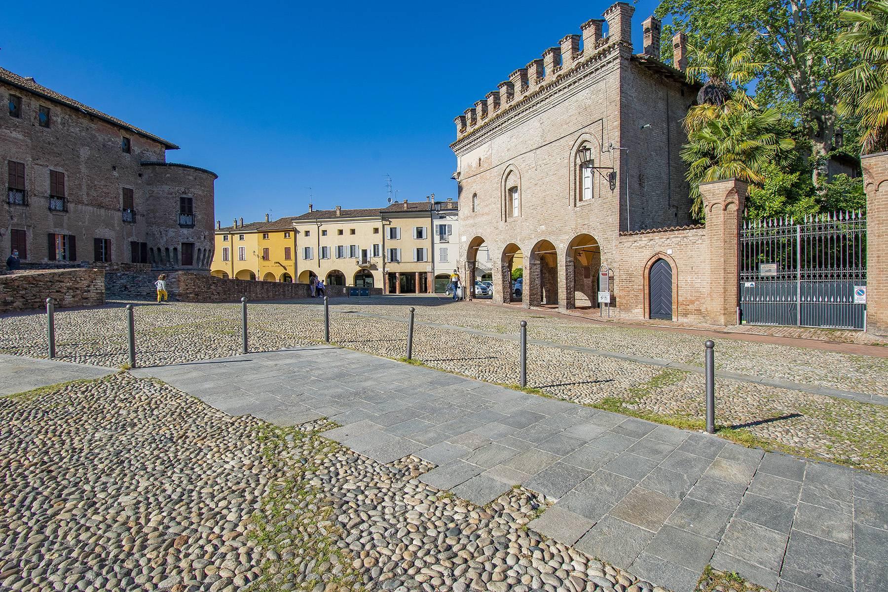 Prestigiosa mansarda nel borgo di Fontanellato - 2