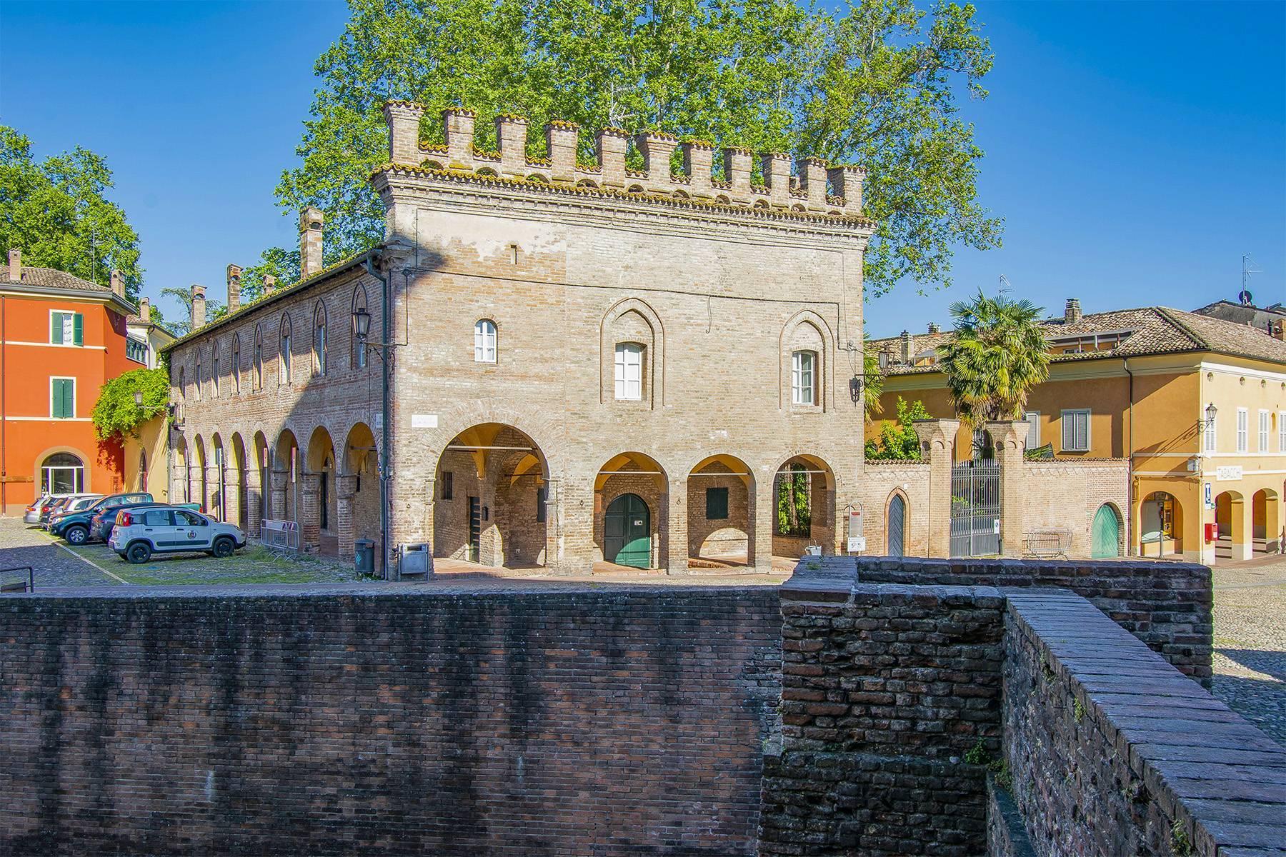 Prestigiosa mansarda nel borgo di Fontanellato - 1
