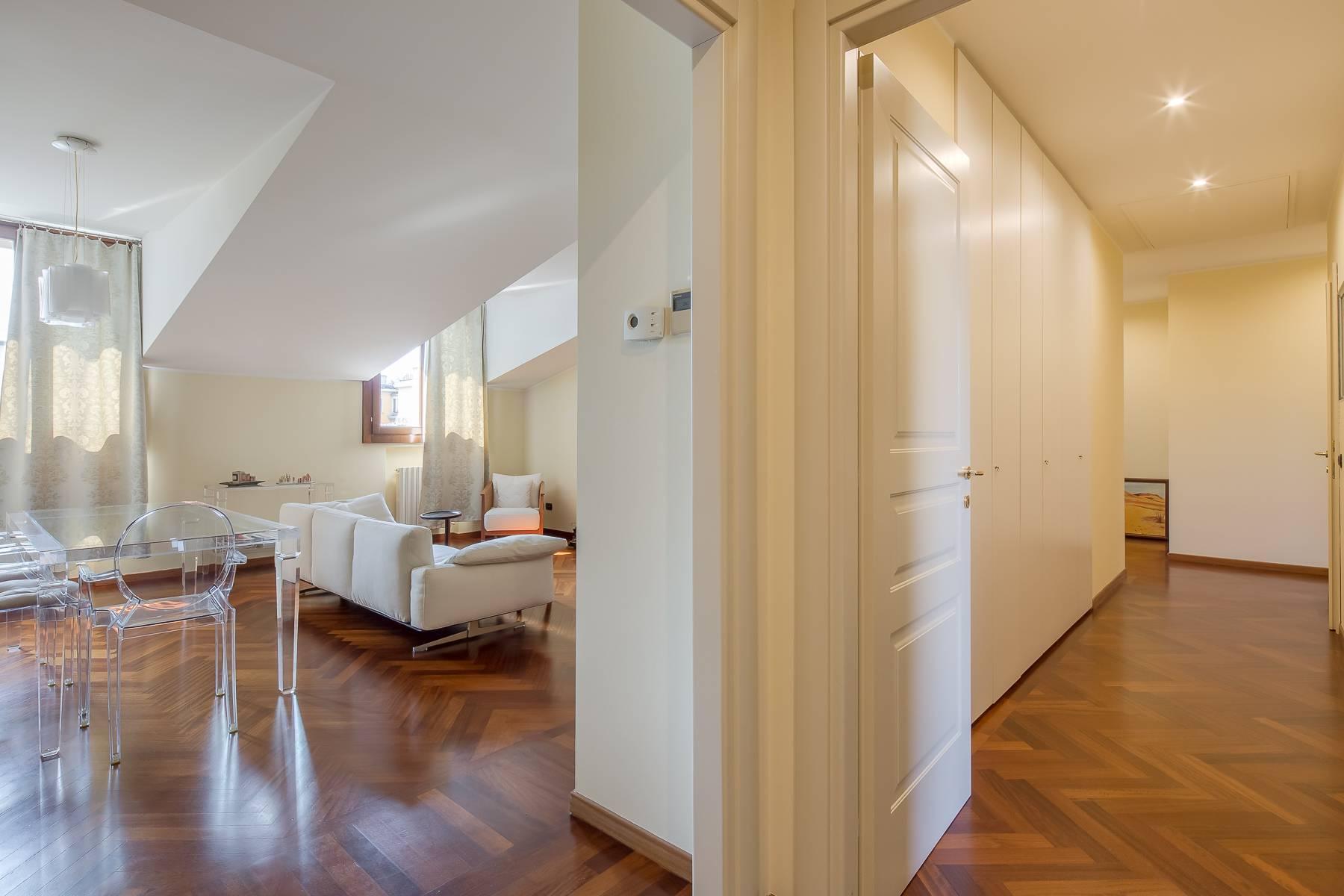 Grazioso appartamento mansardato con 4 camere in Magenta - 4