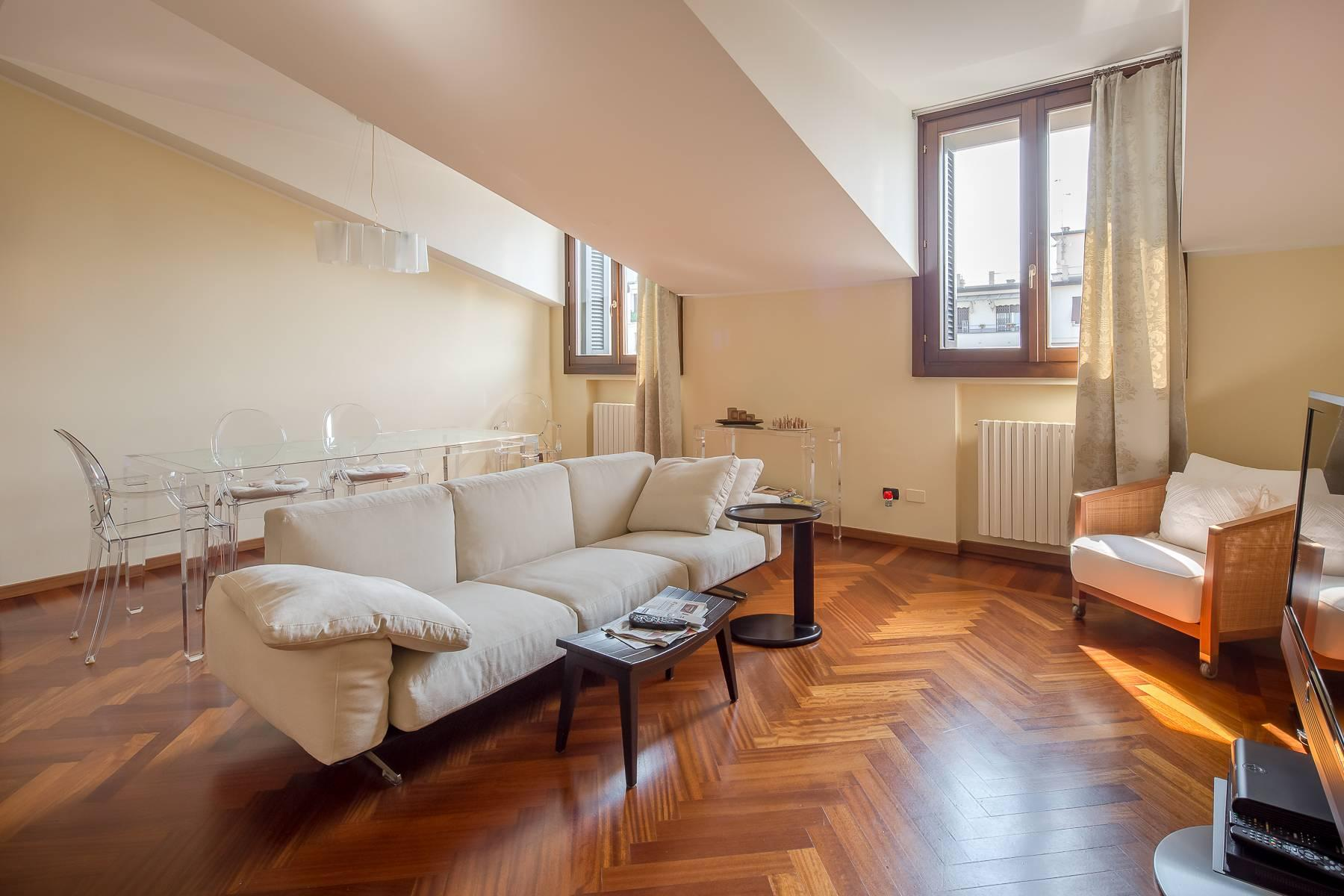 Grazioso appartamento mansardato con 4 camere in Magenta - 2