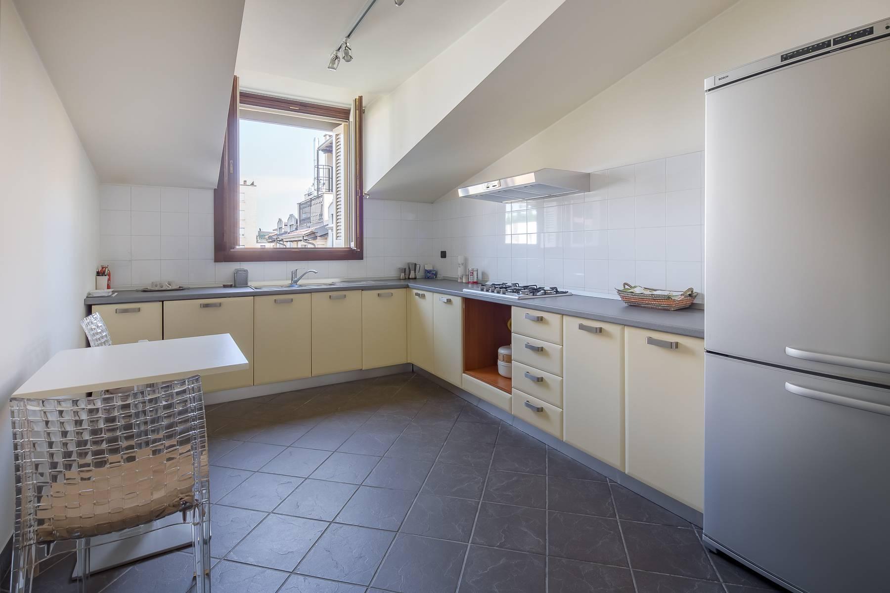 Grazioso appartamento mansardato con 4 camere in Magenta - 5
