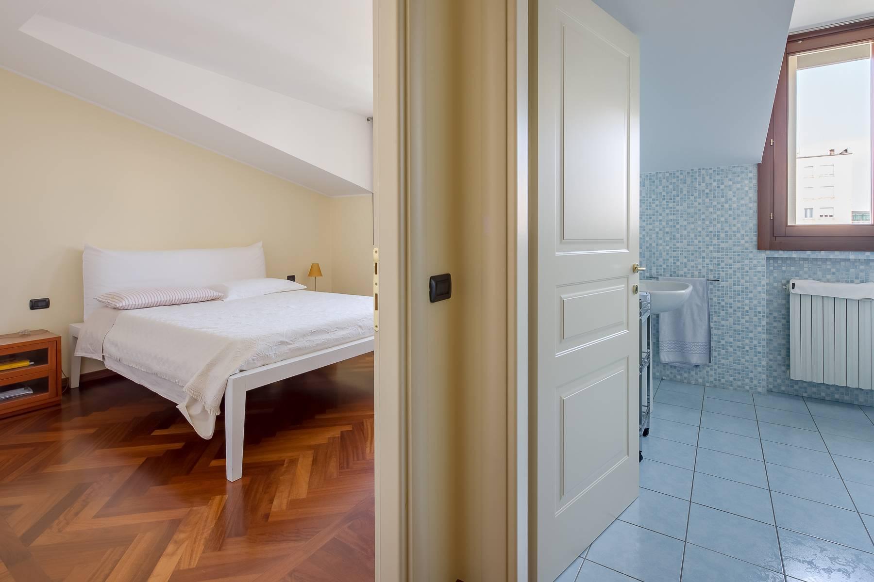 Grazioso appartamento mansardato con 4 camere in Magenta - 8