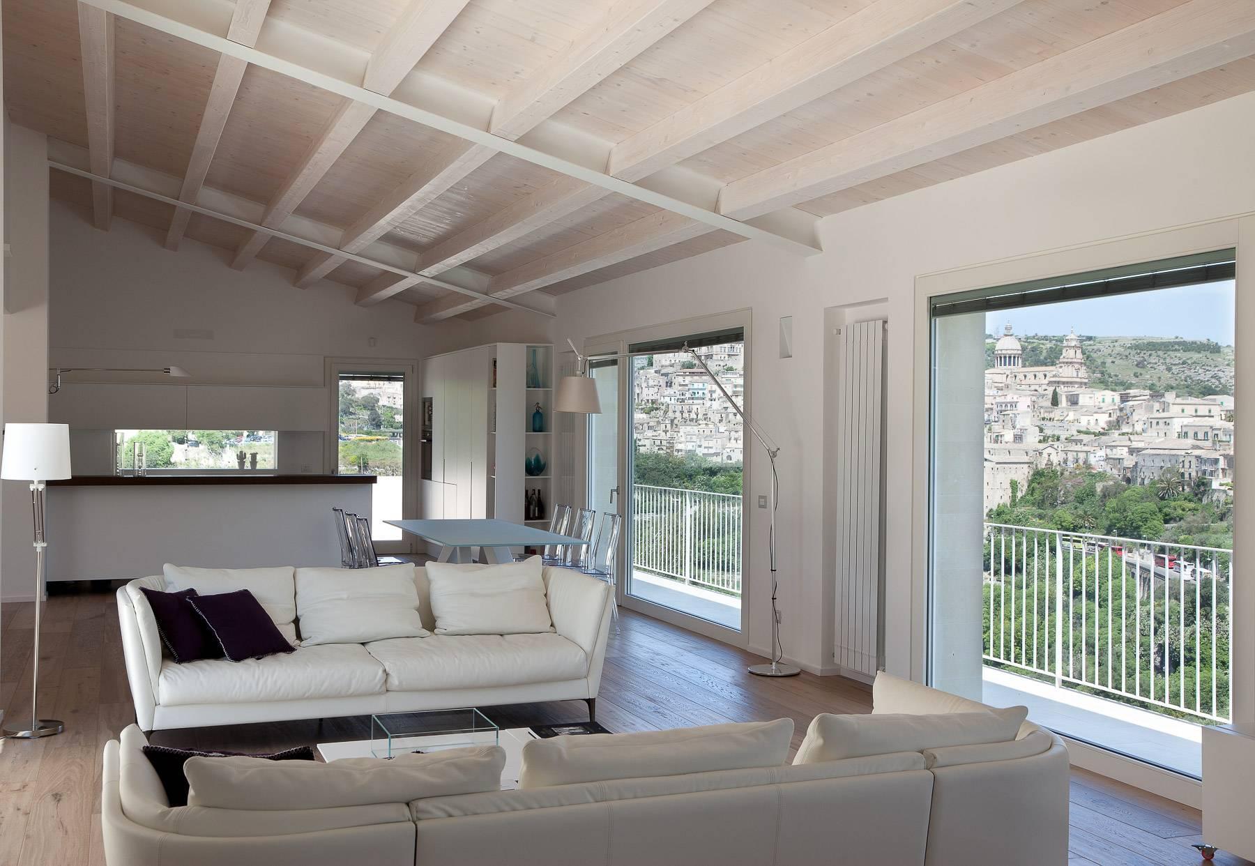 Anspruchsvolle Villa mit Panoramablick - 9