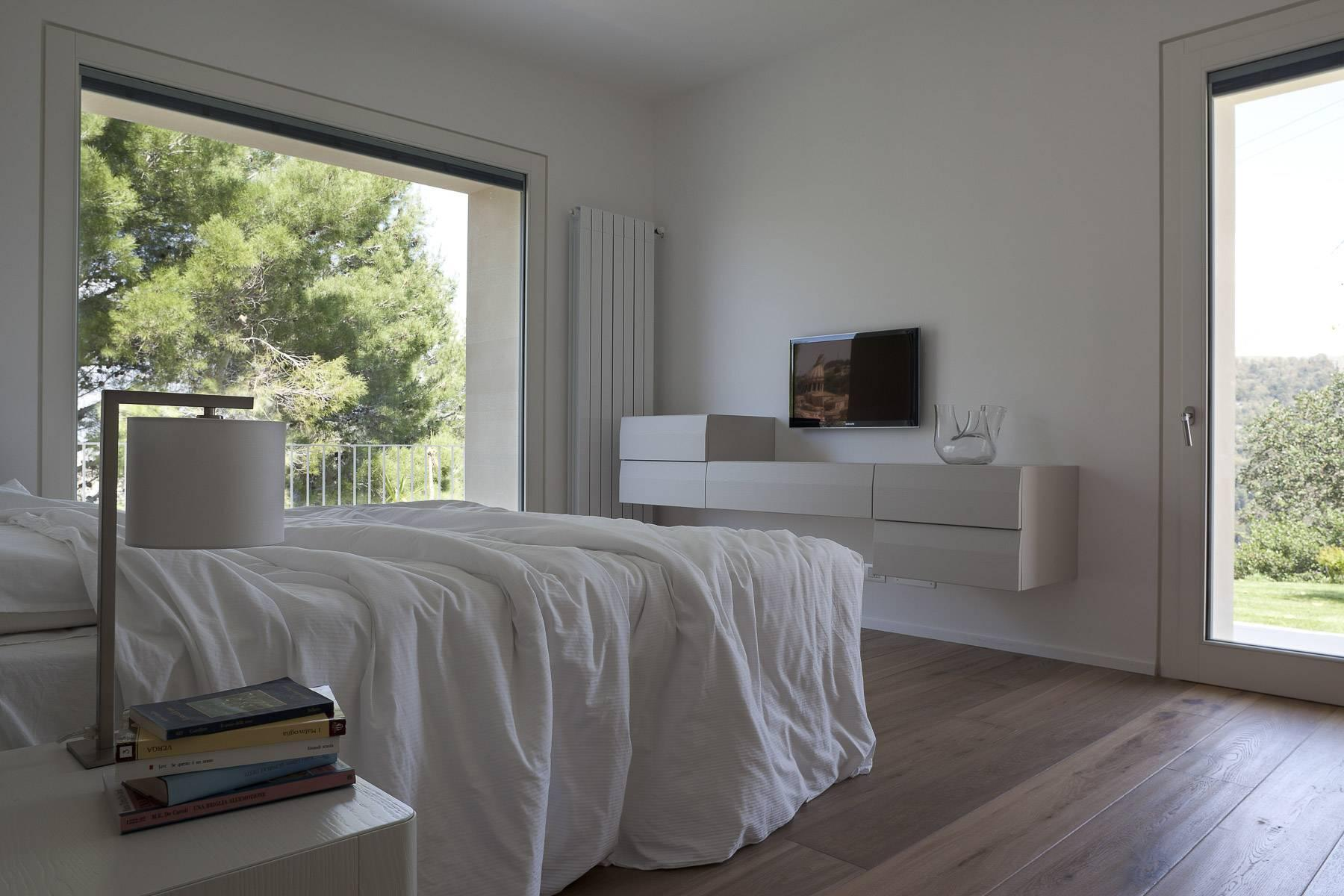 Anspruchsvolle Villa mit Panoramablick - 14