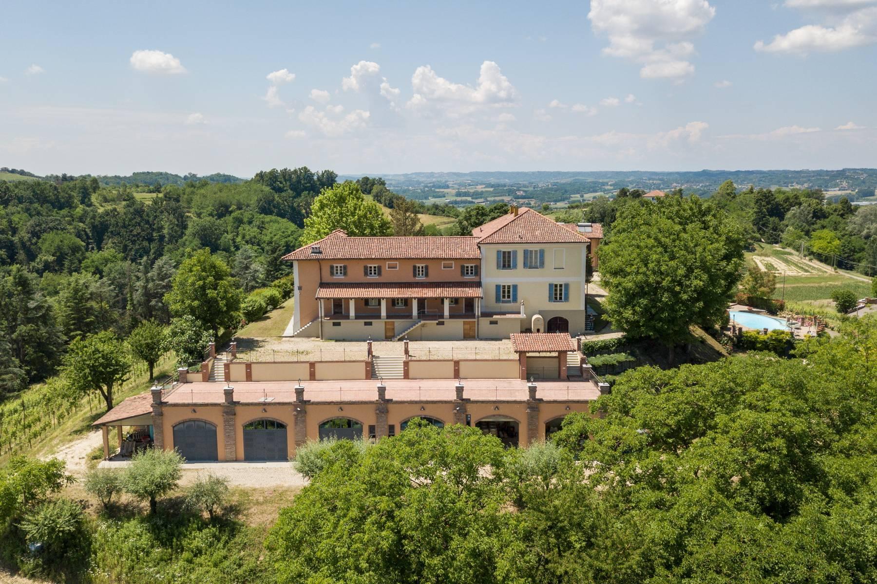Elegante Villa mit wunderschönem Blick auf die Alpen - 30