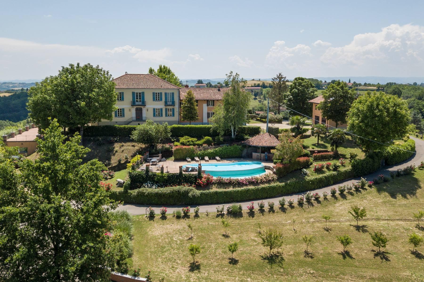 Elegante Villa mit wunderschönem Blick auf die Alpen - 32