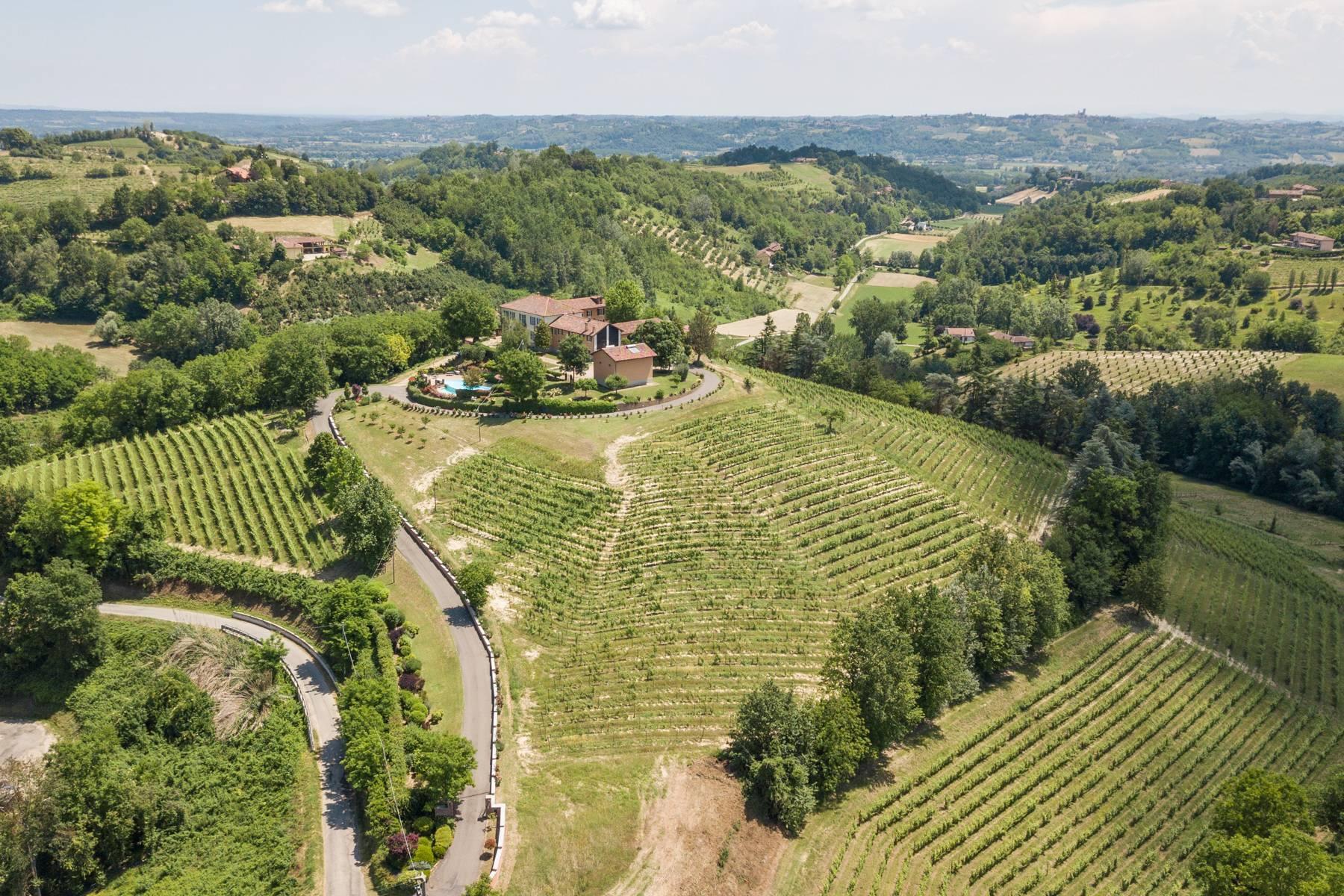 Elegante Villa mit wunderschönem Blick auf die Alpen - 29