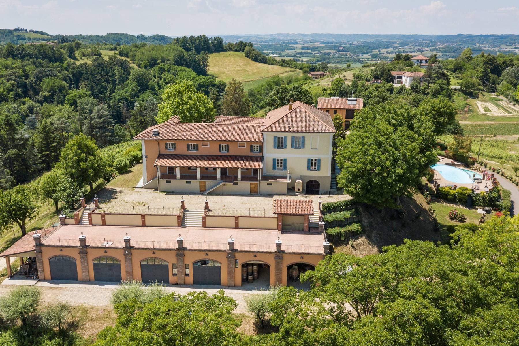 Elegante Villa mit wunderschönem Blick auf die Alpen - 31