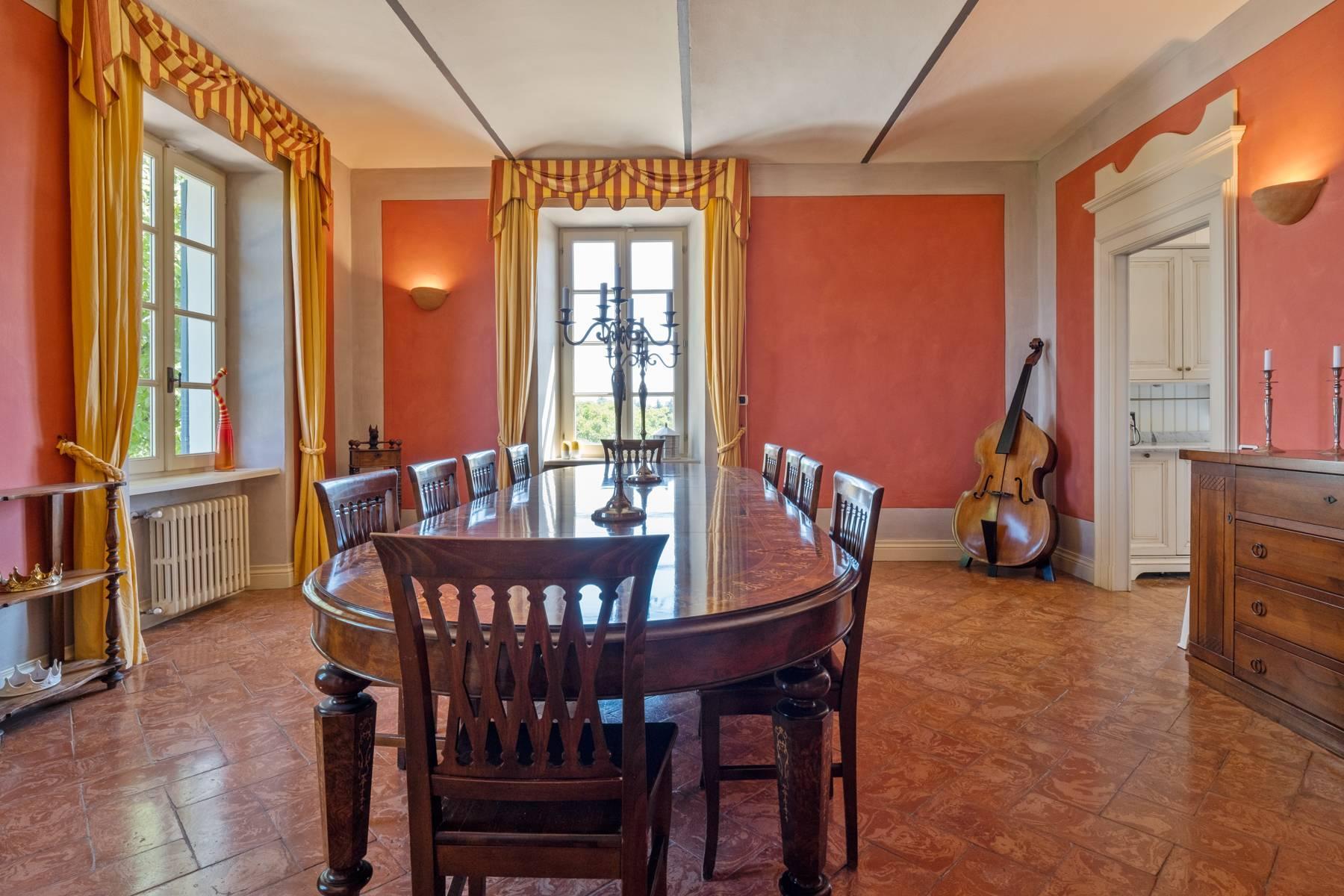 Elegante Villa mit wunderschönem Blick auf die Alpen - 26