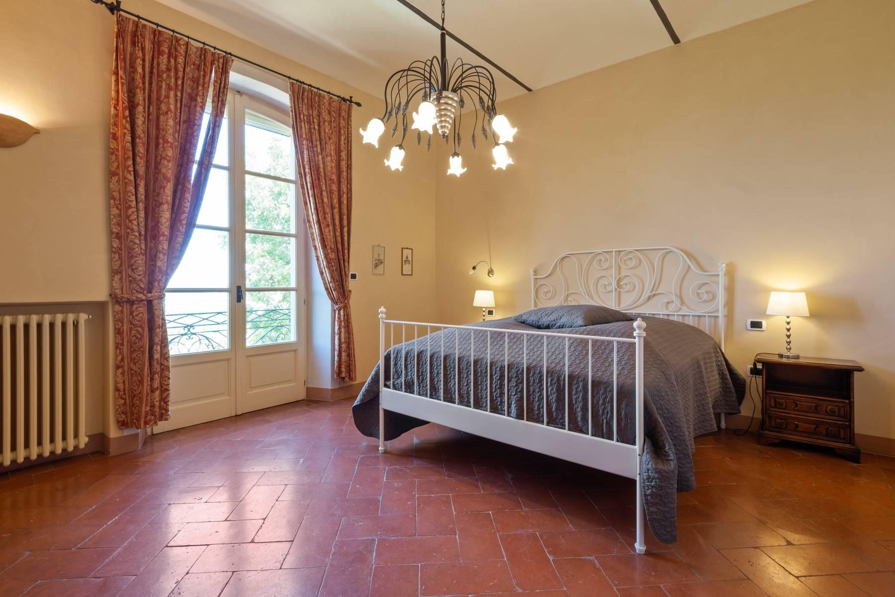 Elegante Villa mit wunderschönem Blick auf die Alpen - 15