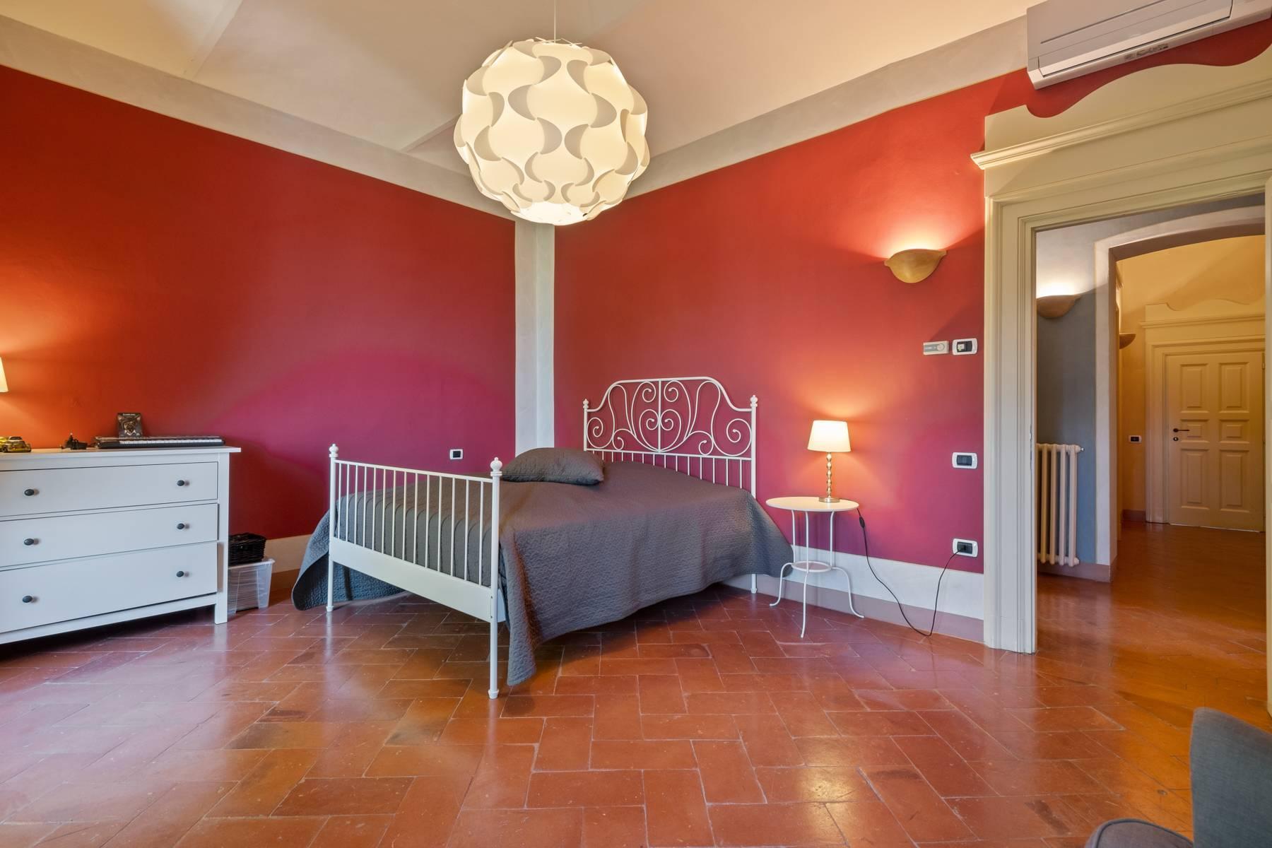 Elegante Villa mit wunderschönem Blick auf die Alpen - 14