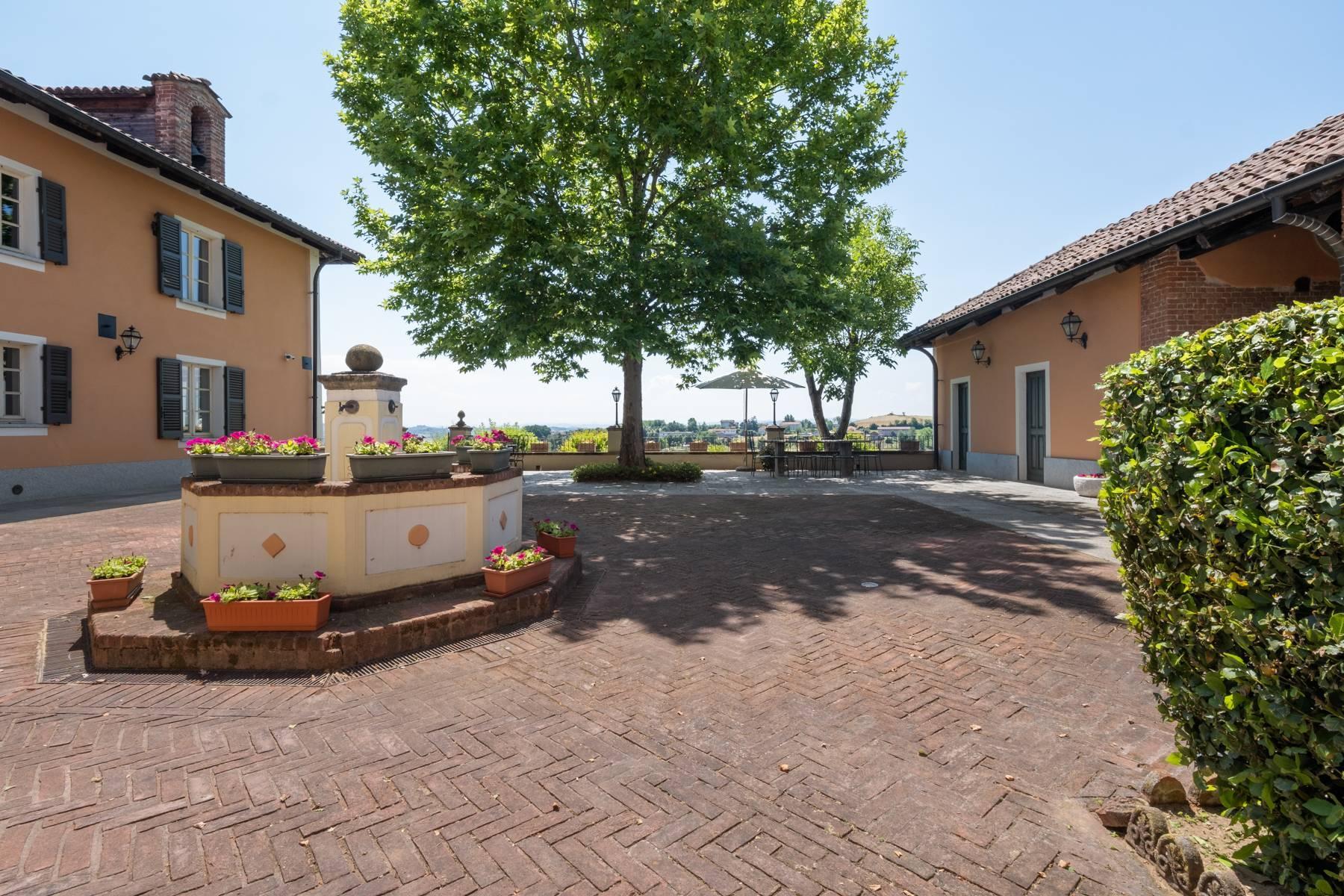Elegante Villa mit wunderschönem Blick auf die Alpen - 11