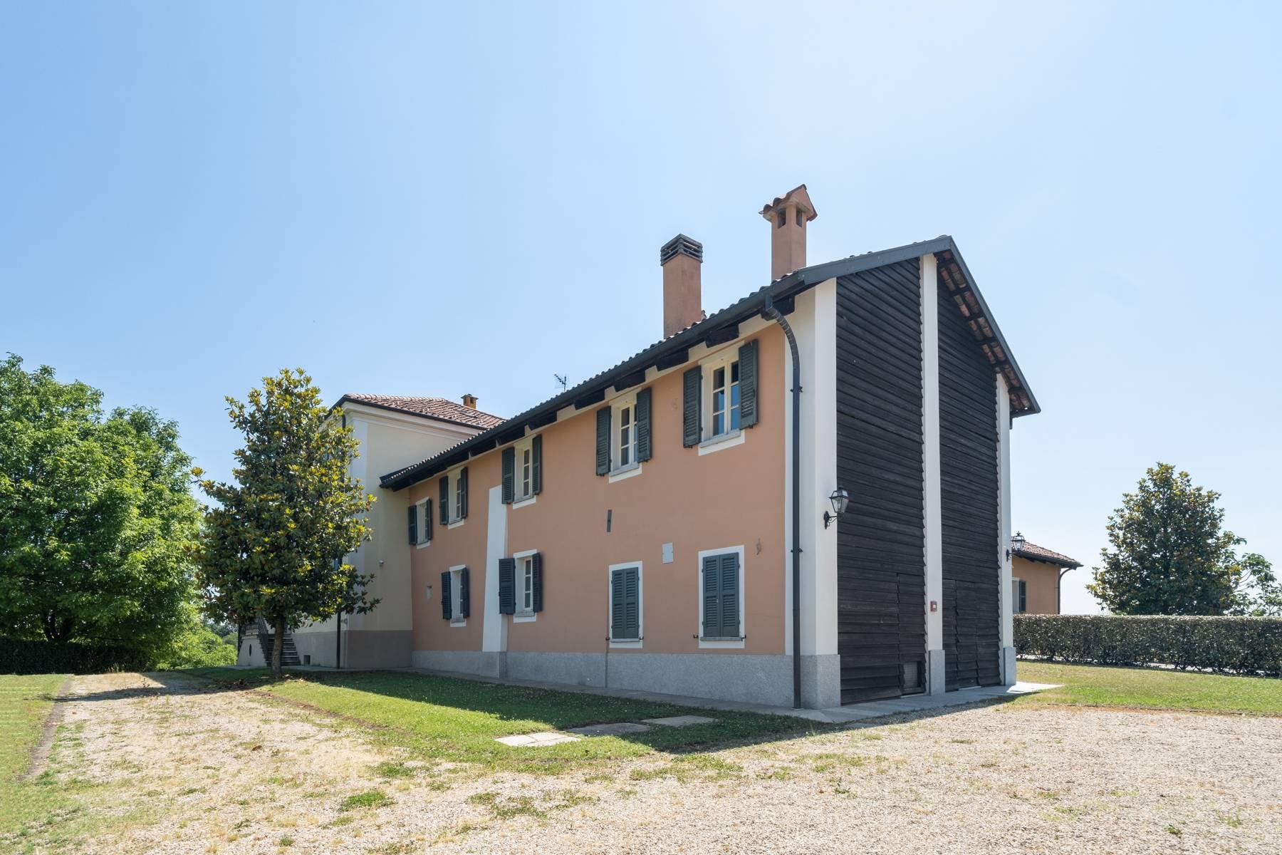 Elegante Villa mit wunderschönem Blick auf die Alpen - 9