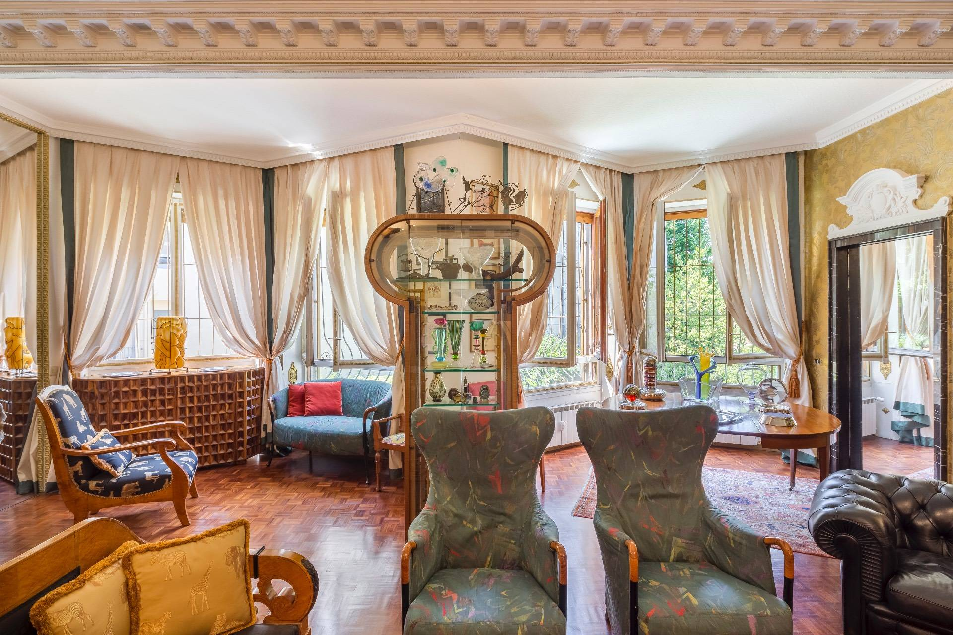 Charming and exclusive property overlooking the Borromeo gardens - 2
