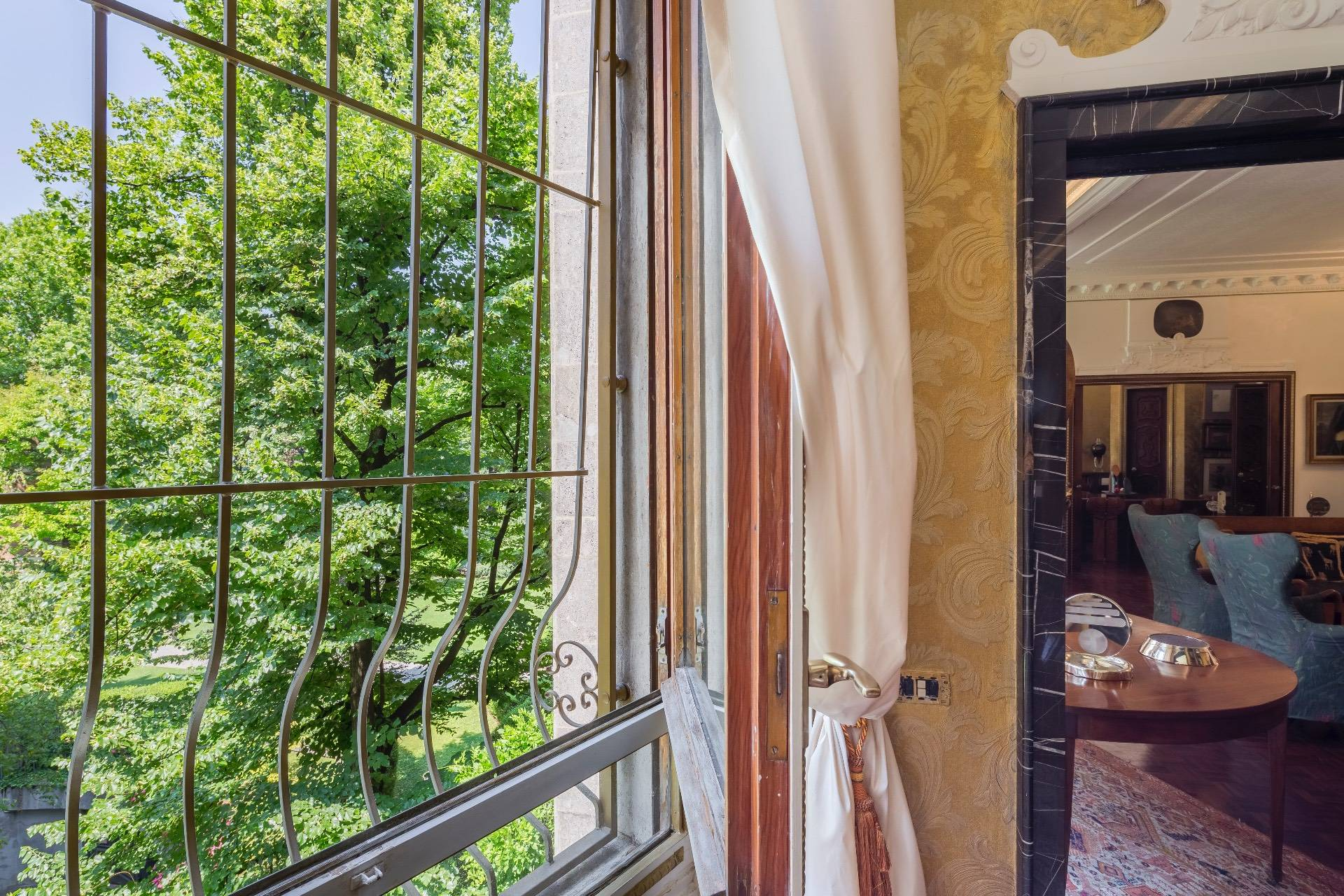 Charming and exclusive property overlooking the Borromeo gardens - 8