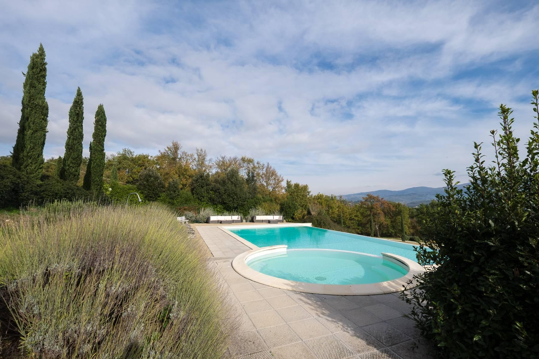 Spectacular Villa and Farmstead close to Florence - 32