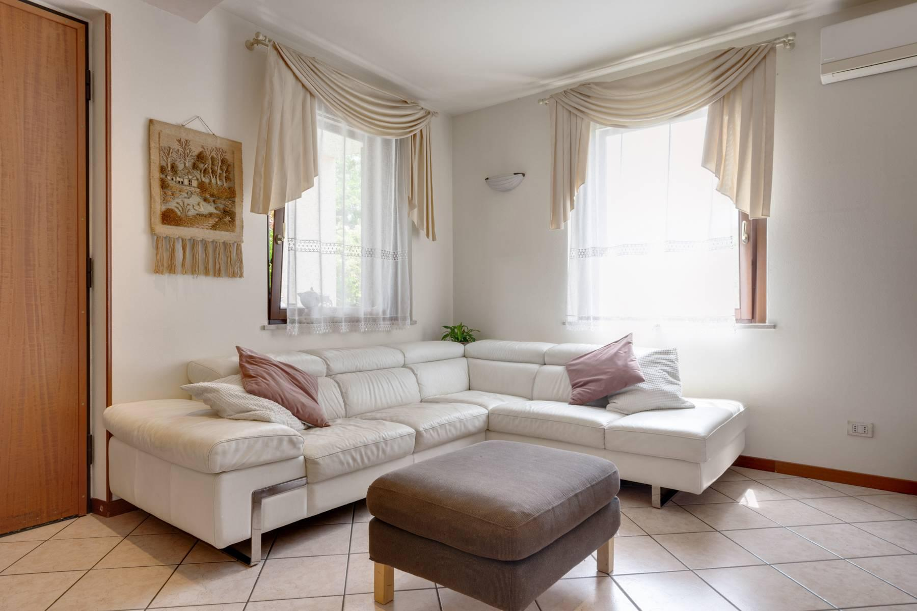 Independent villa with wide garden, just a few steps from the Lake - 10