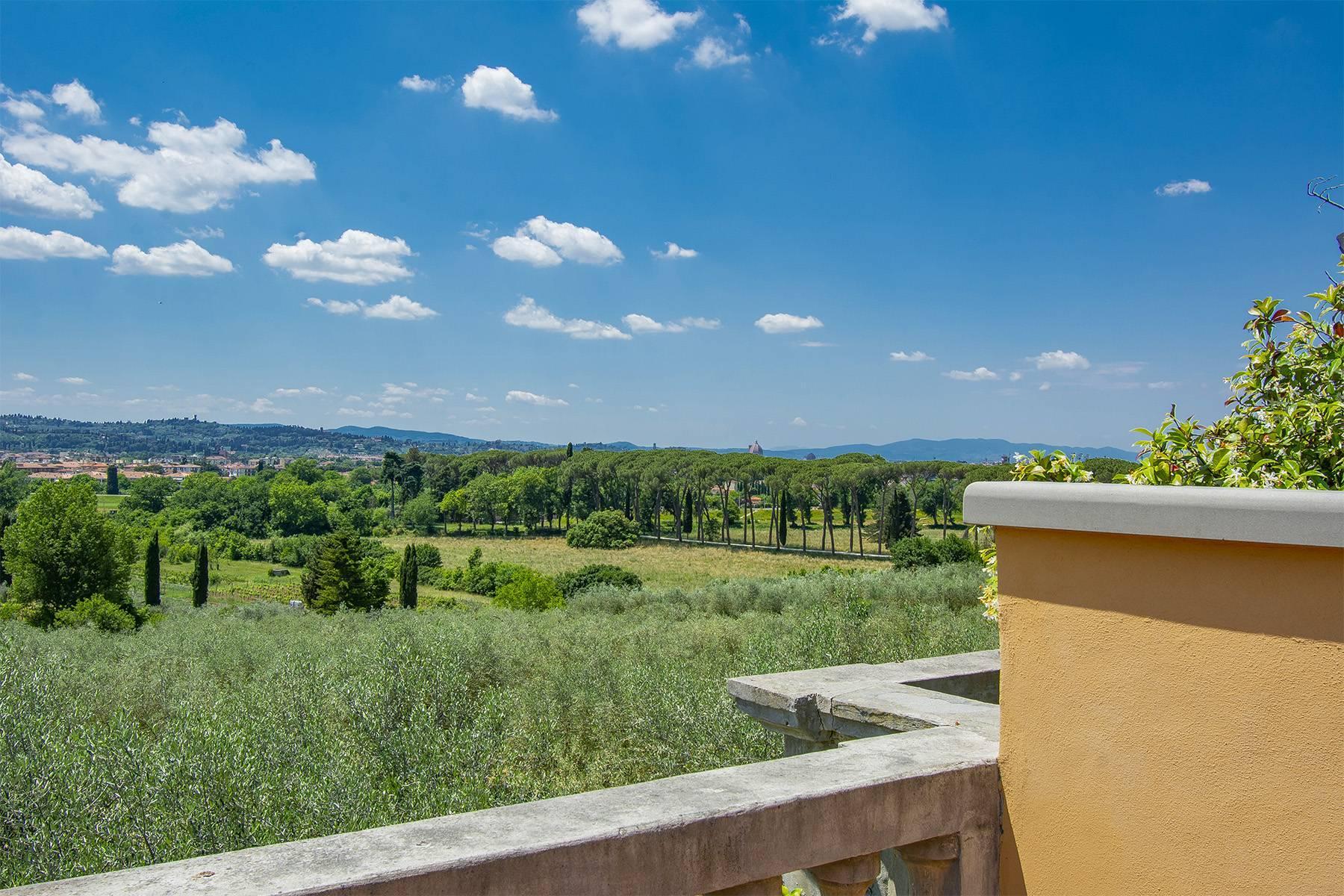 Außergewöhnliche Villa auf den Hügeln um Florenz mit Swimmingpool und Fitnessraum - 23