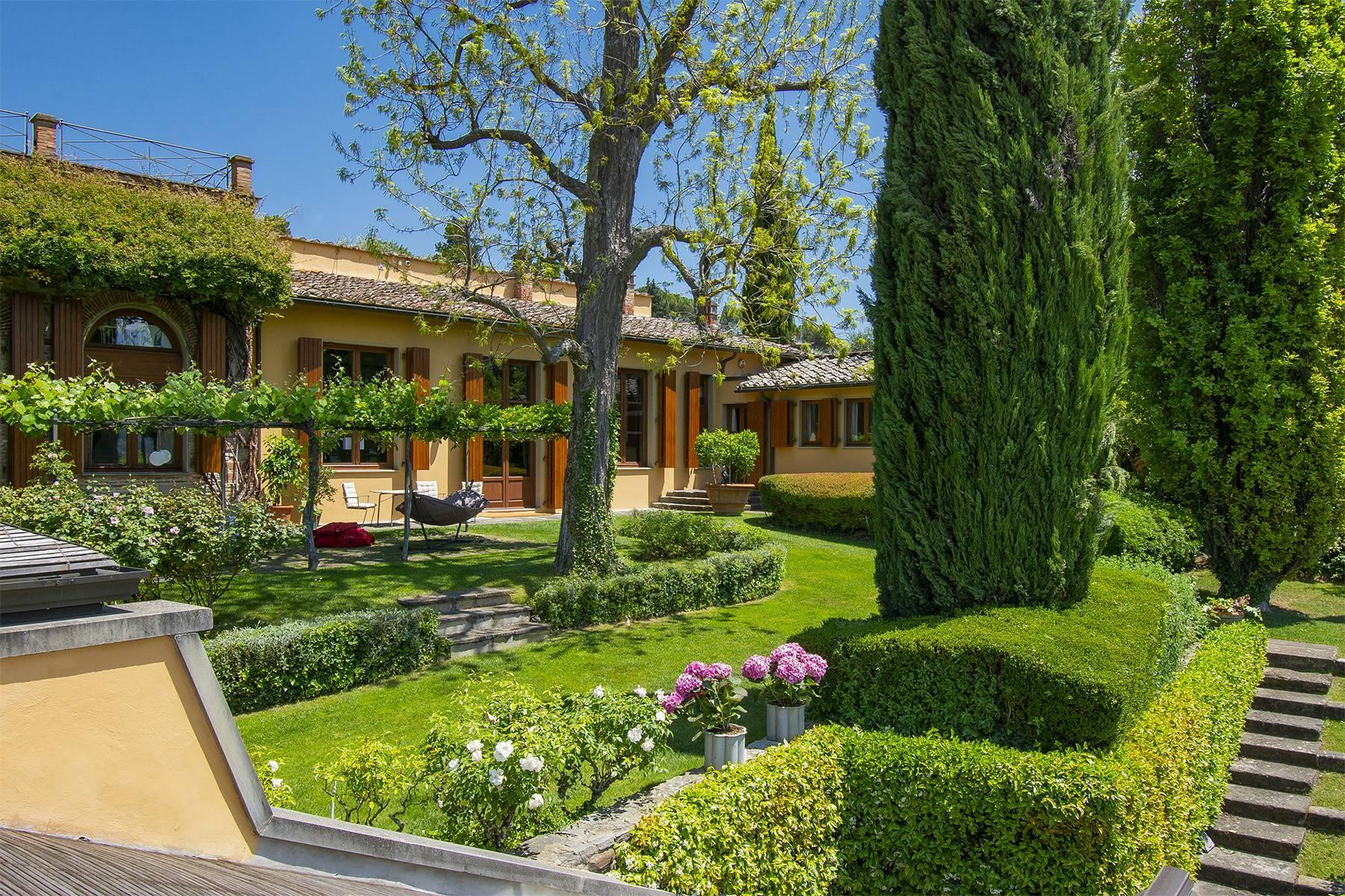 Außergewöhnliche Villa auf den Hügeln um Florenz mit Swimmingpool und Fitnessraum - 2