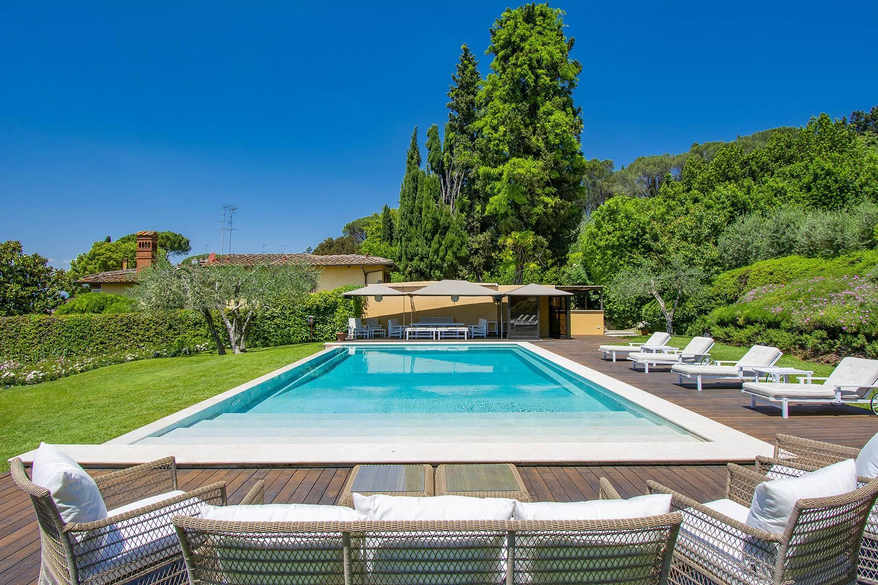 Außergewöhnliche Villa auf den Hügeln um Florenz mit Swimmingpool und Fitnessraum - 22