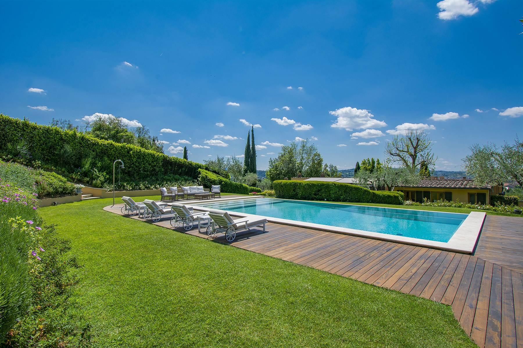 Außergewöhnliche Villa auf den Hügeln um Florenz mit Swimmingpool und Fitnessraum - 5