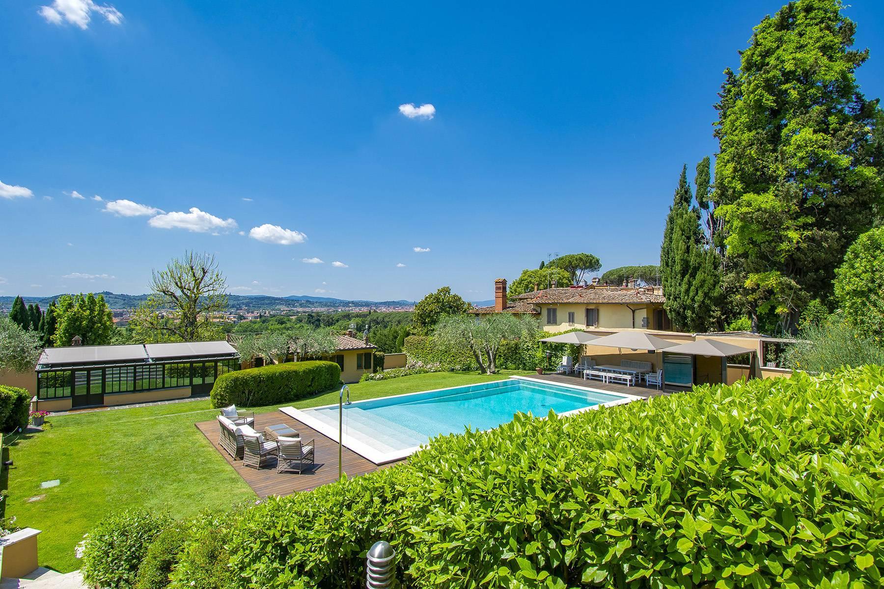 Außergewöhnliche Villa auf den Hügeln um Florenz mit Swimmingpool und Fitnessraum - 1